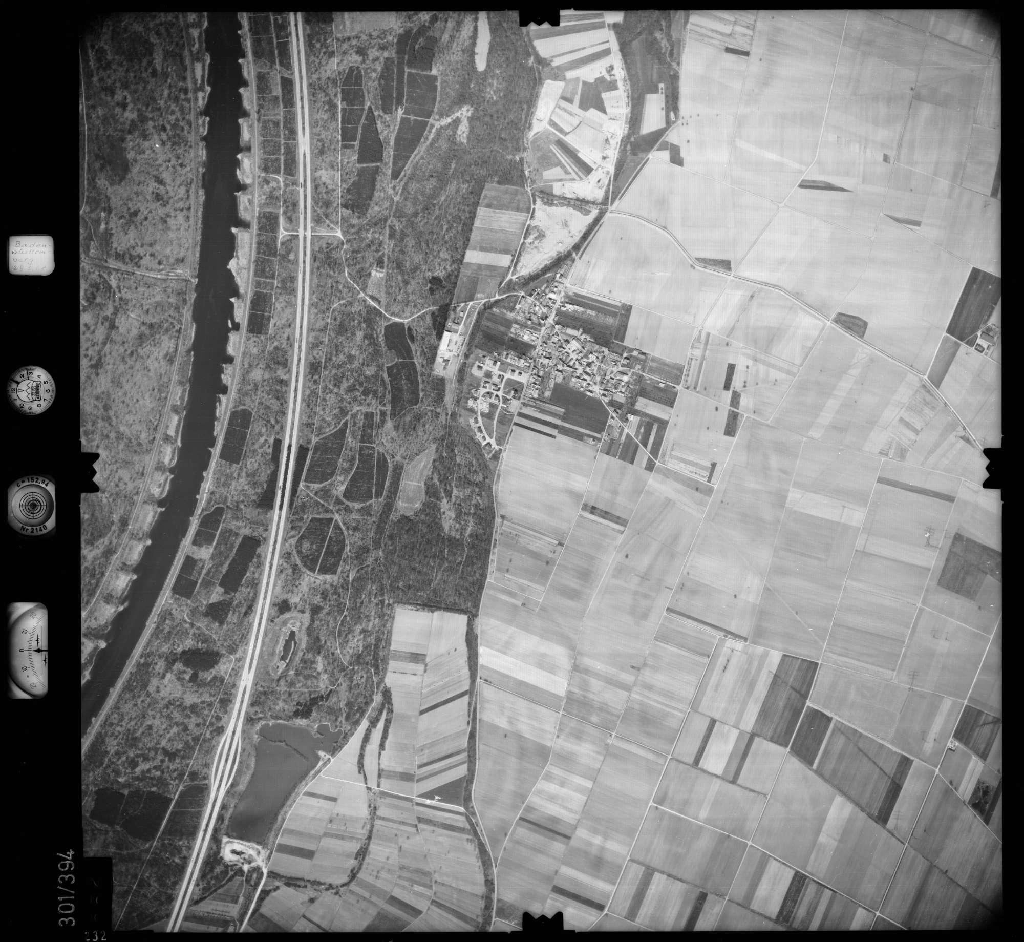 Luftbild: Film 54 Bildnr. 232, Bild 1