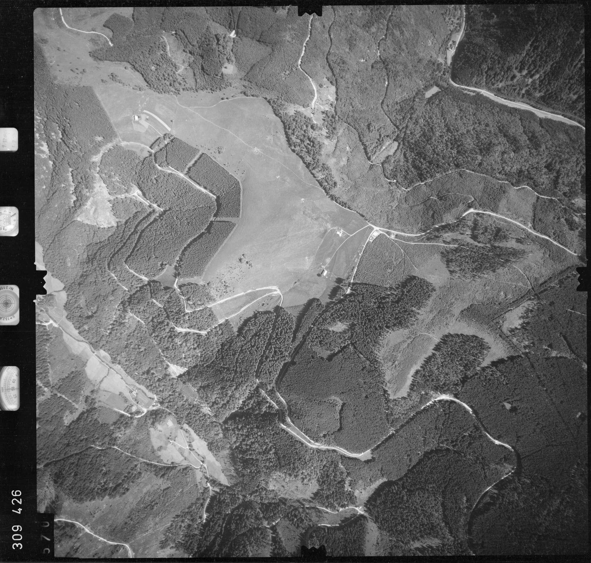 Luftbild: Film 56 Bildnr. 570, Bild 1