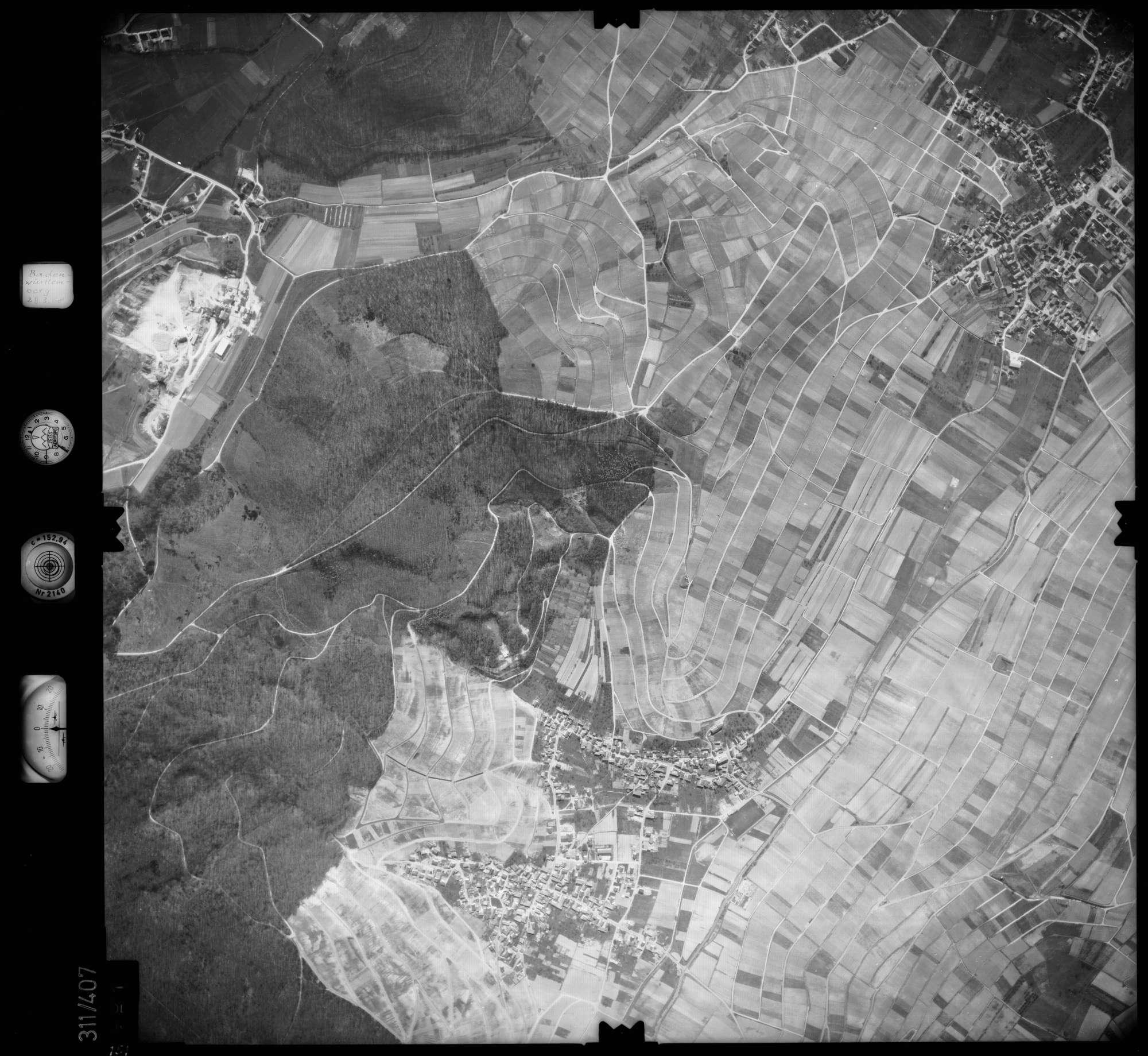 Luftbild: Film 54 Bildnr. 151, Bild 1