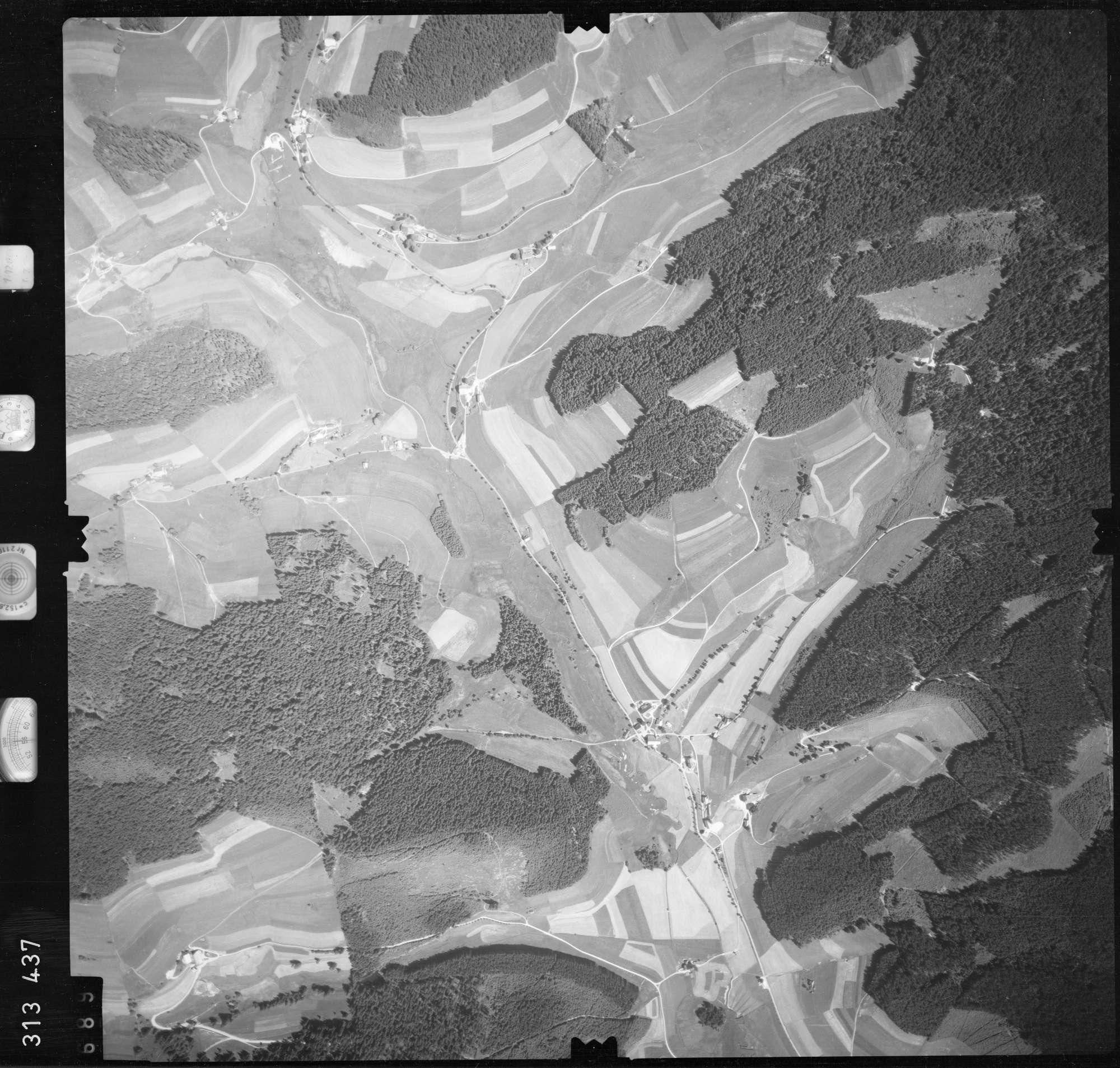 Luftbild: Film 56 Bildnr. 689, Bild 1