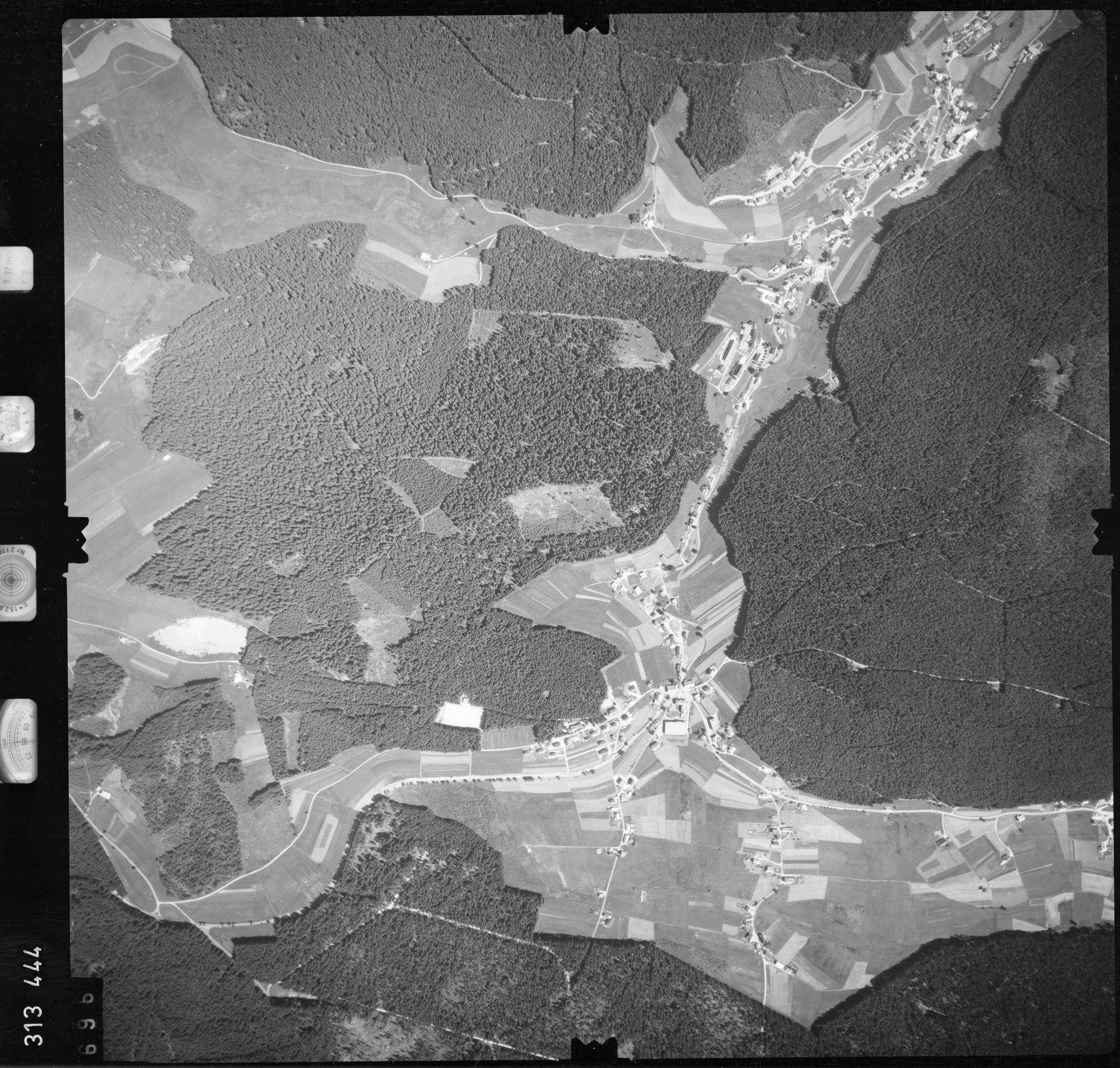 Luftbild: Film 56 Bildnr. 696, Bild 1