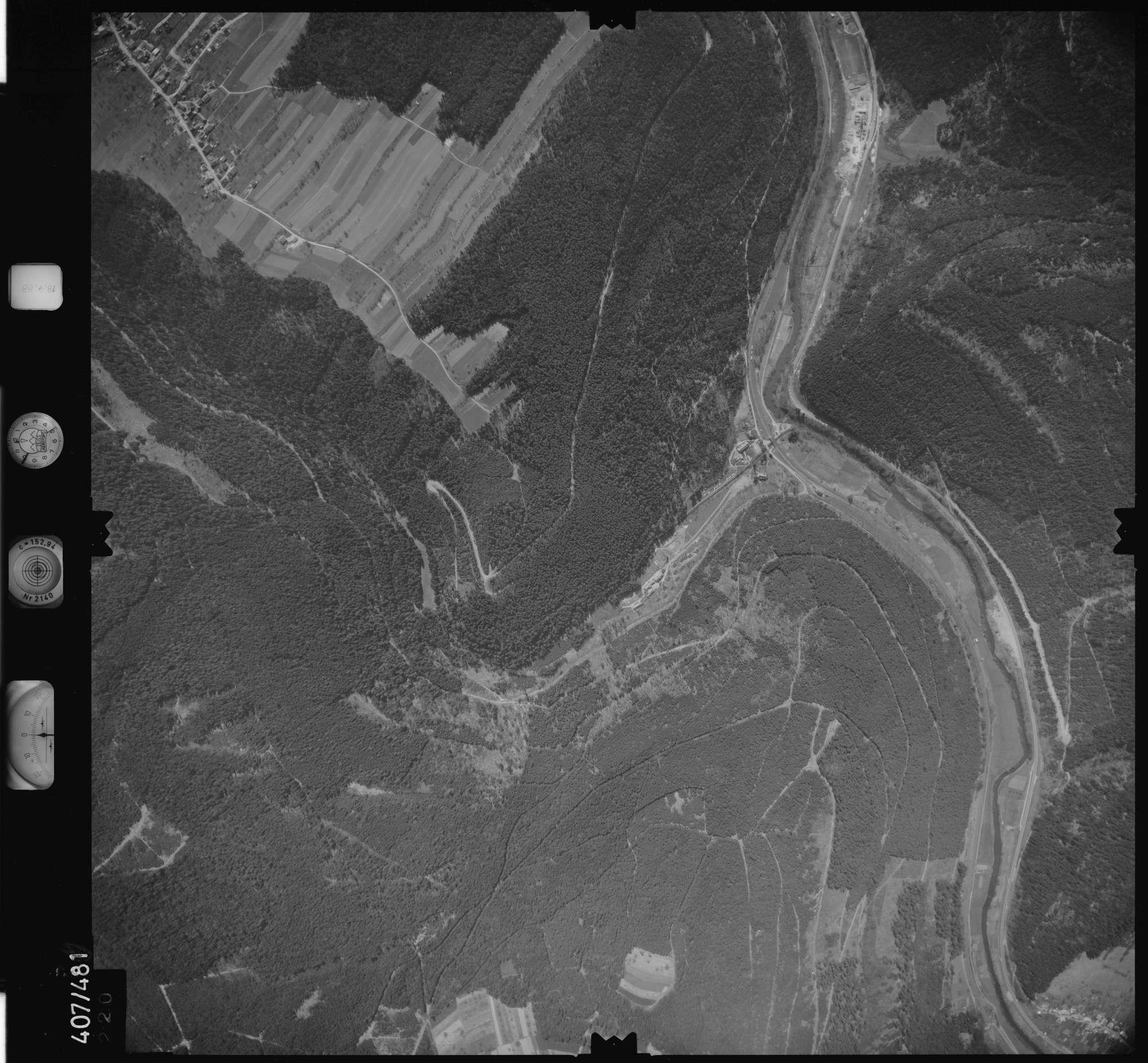 Luftbild: Film 4 Bildnr. 220, Bild 1