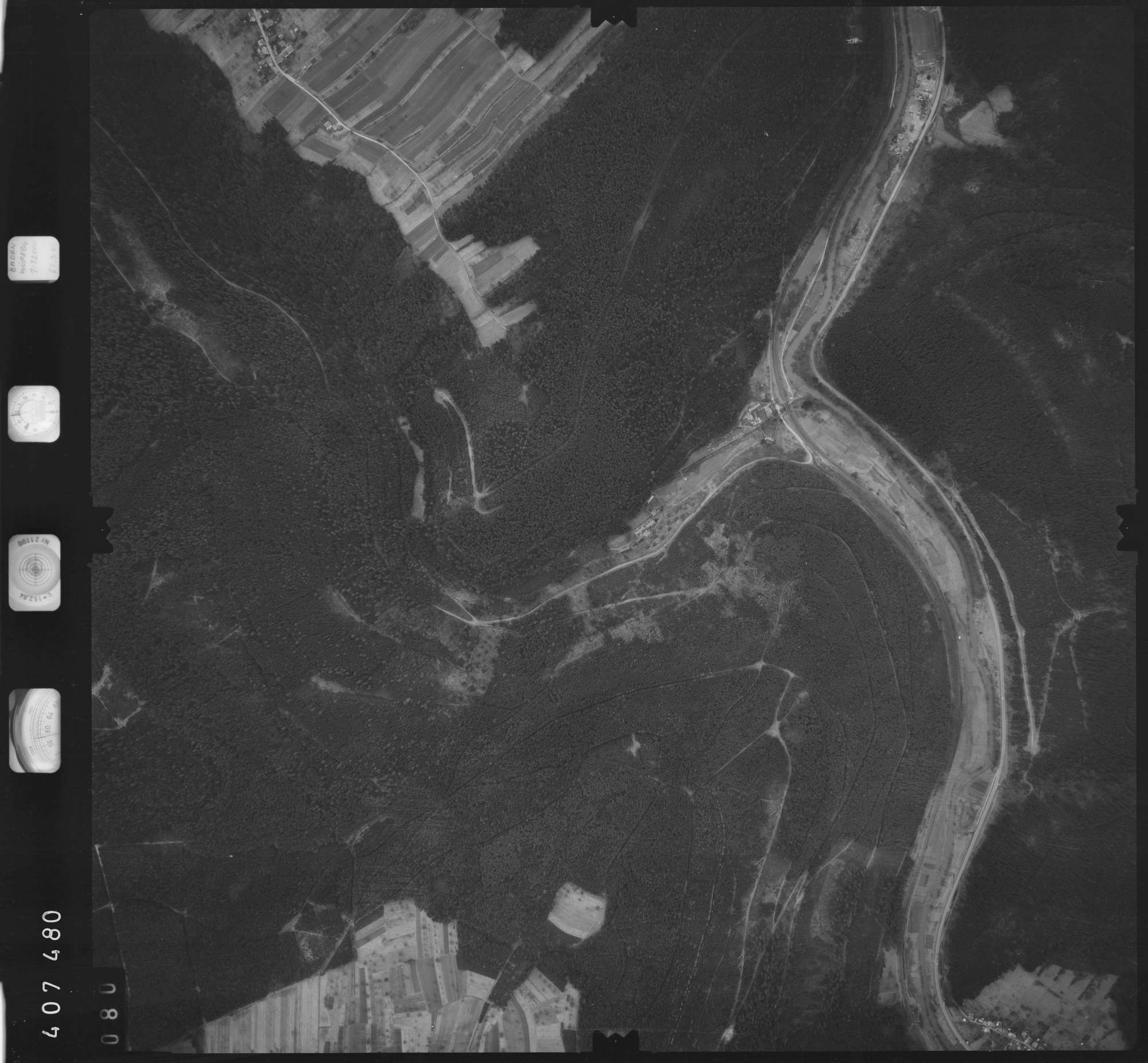 Luftbild: Film 5 Bildnr. 80, Bild 1