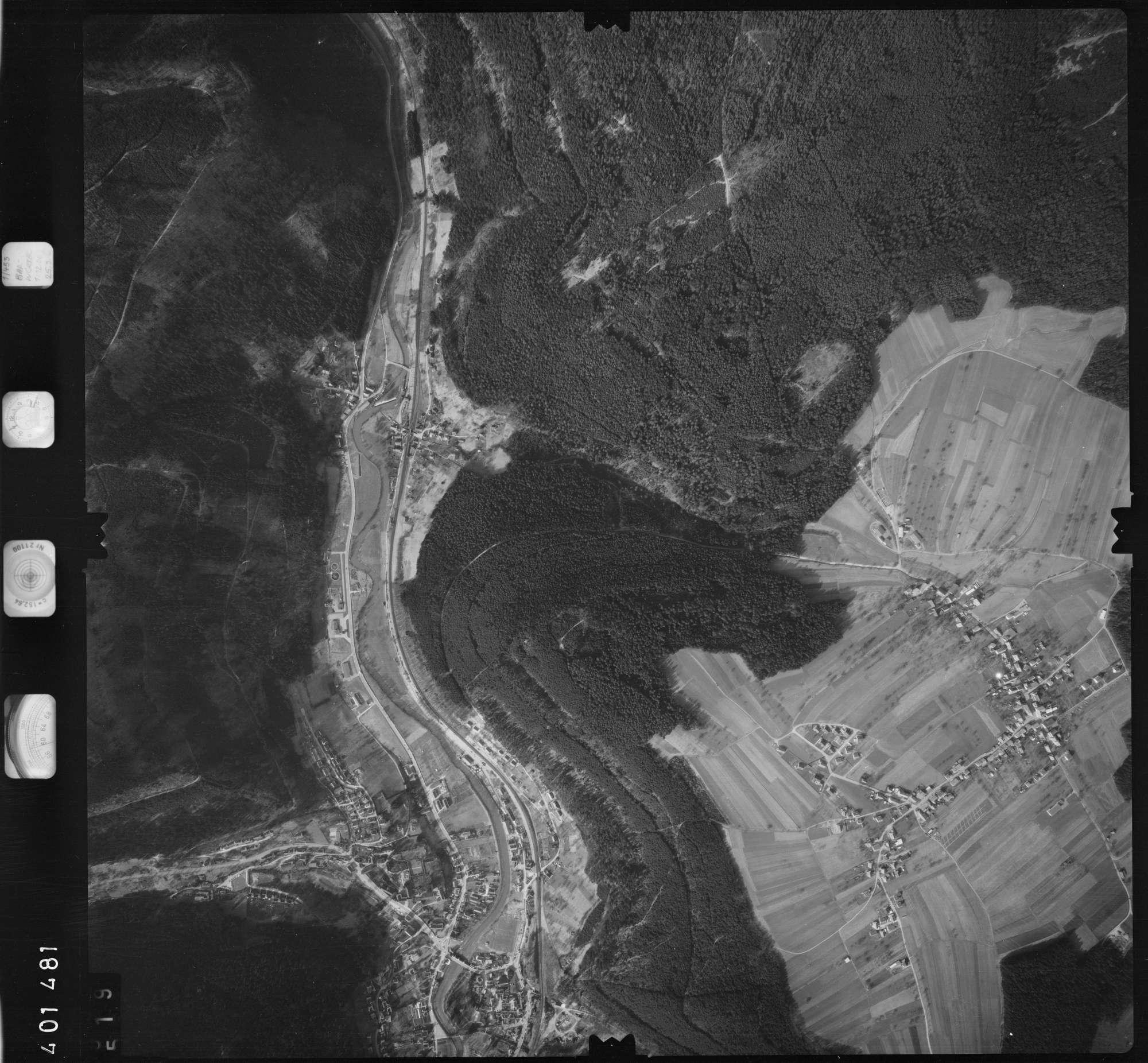 Luftbild: Film 23 Bildnr. 519, Bild 1