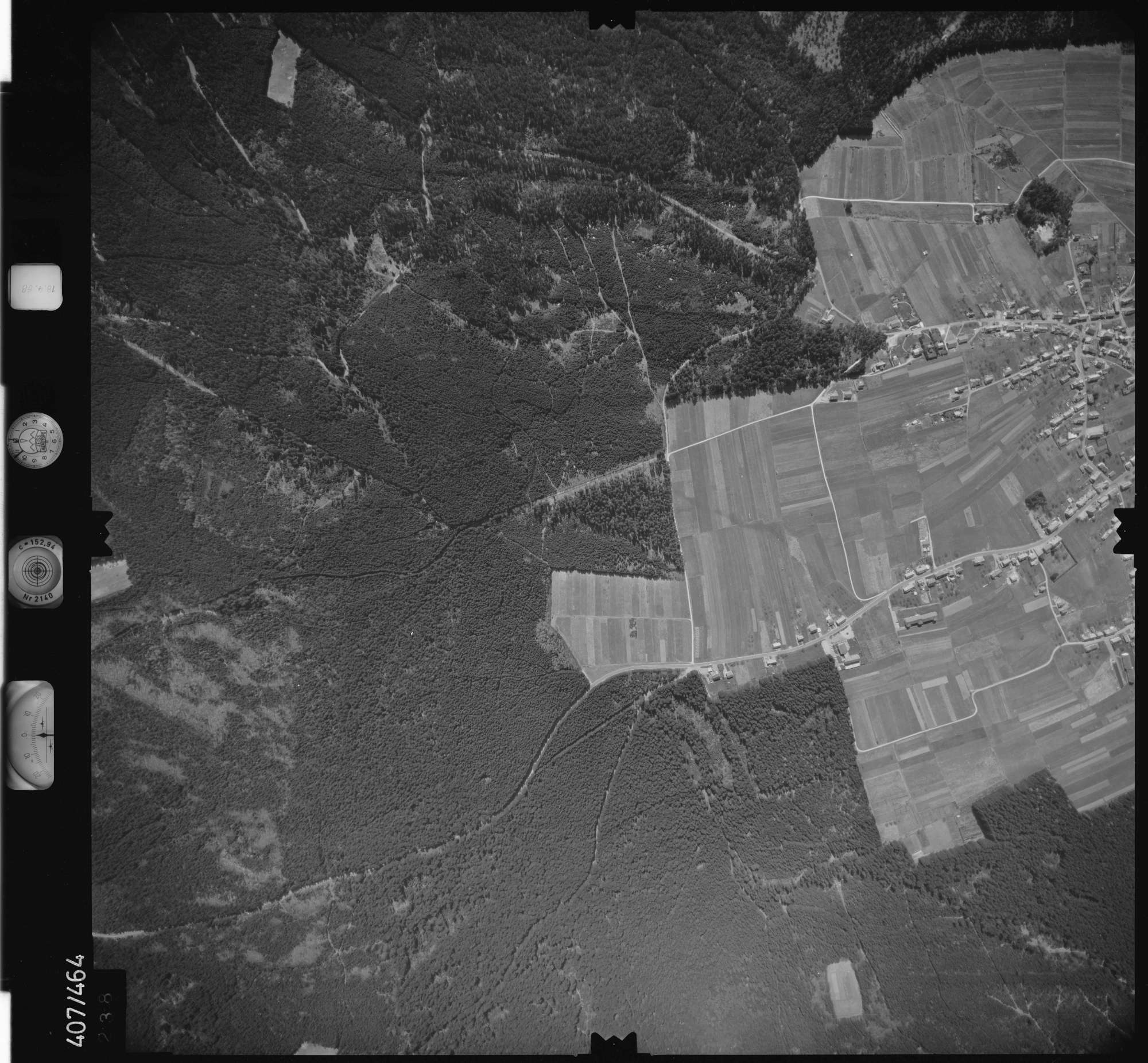Luftbild: Film 4 Bildnr. 238, Bild 1