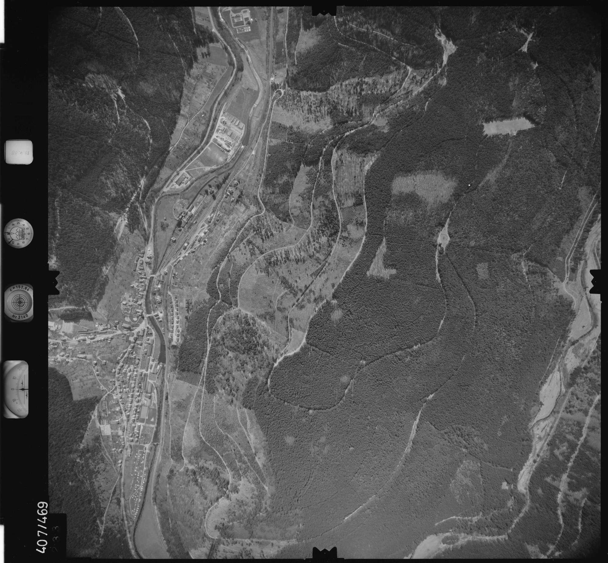 Luftbild: Film 4 Bildnr. 233, Bild 1