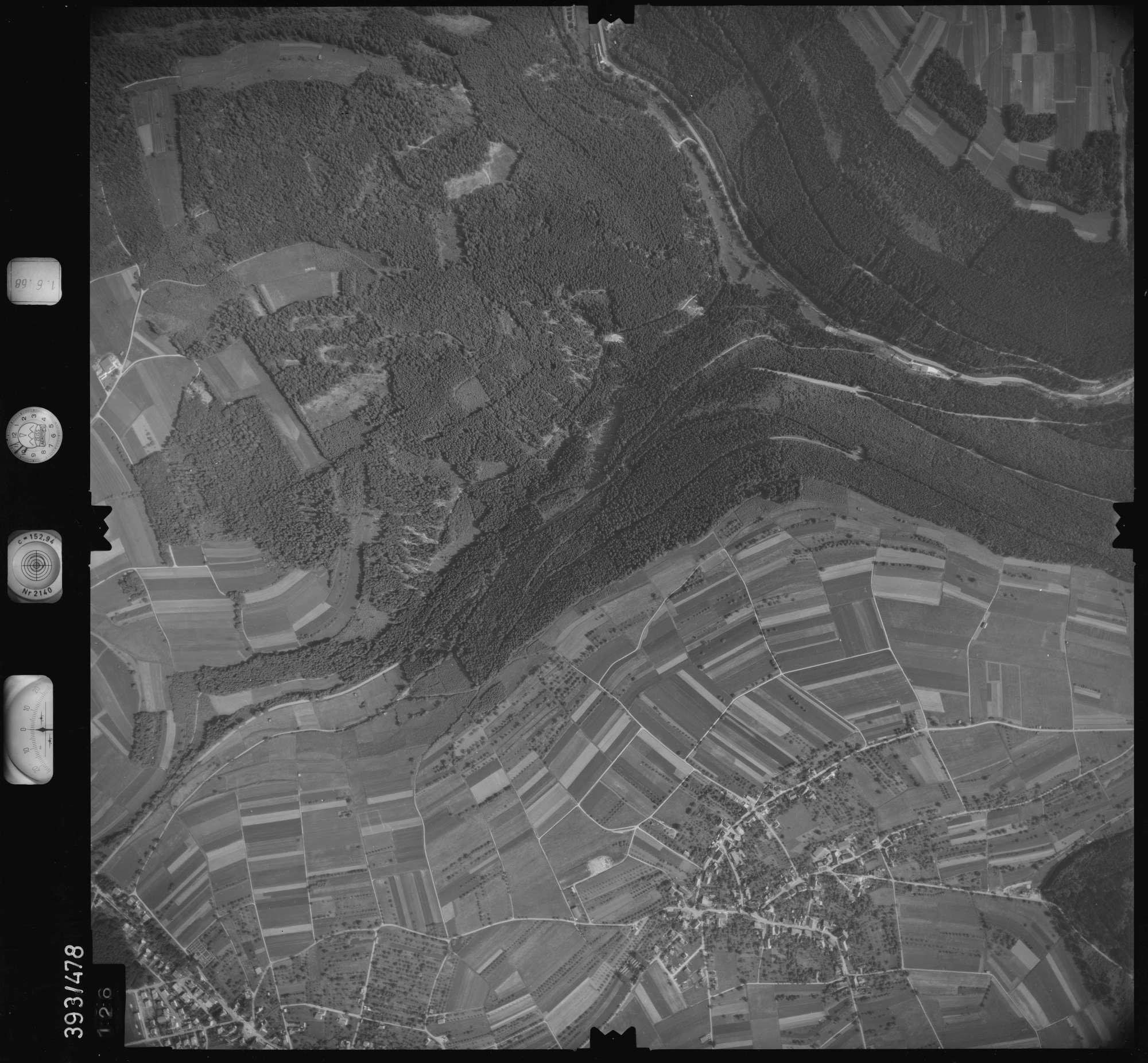 Luftbild: Film 16 Bildnr. 126, Bild 1