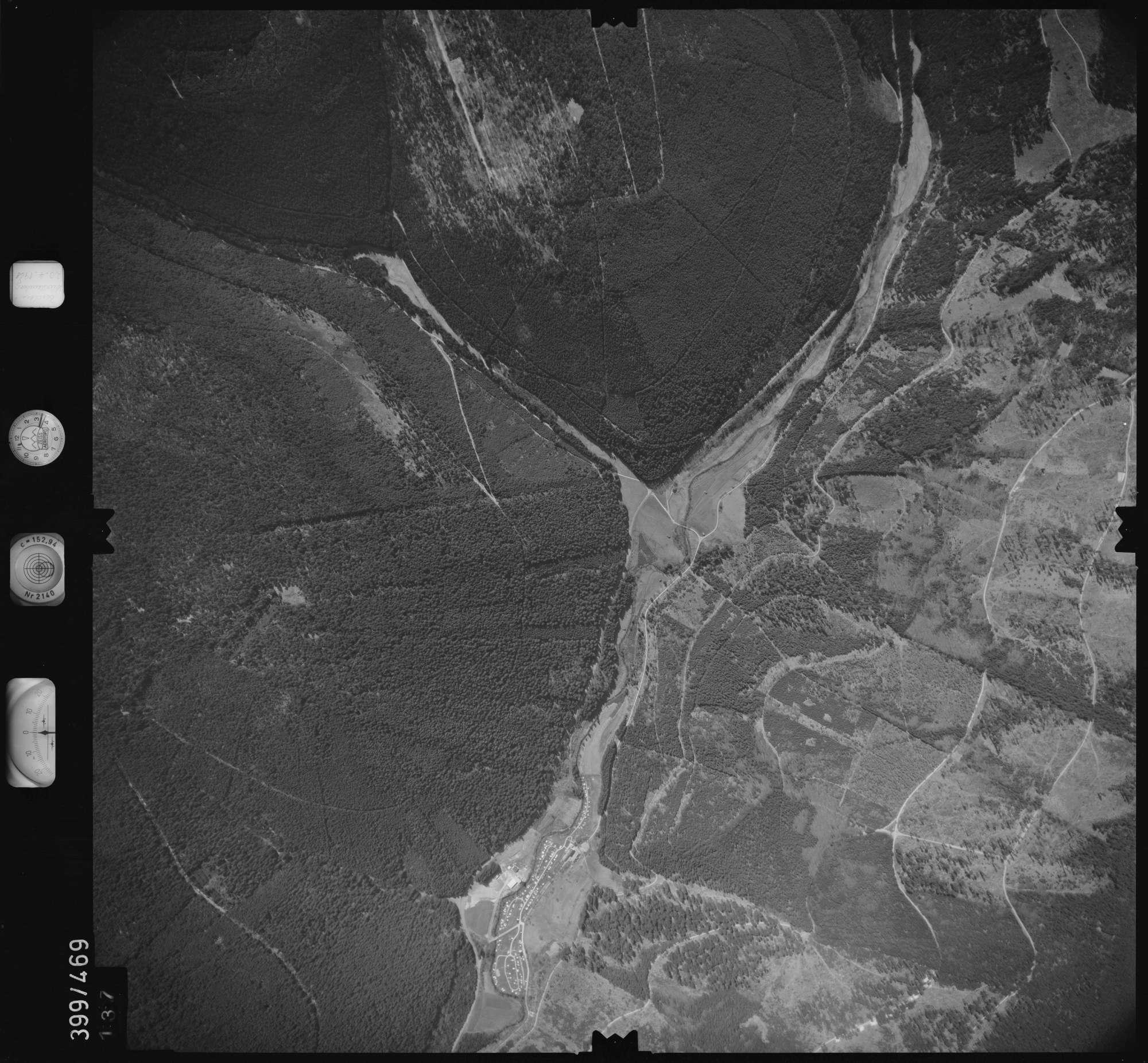 Luftbild: Film 11 Bildnr. 137, Bild 1