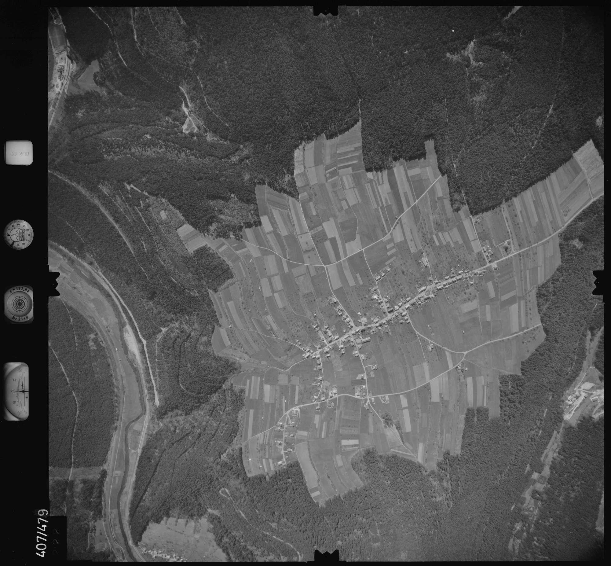 Luftbild: Film 4 Bildnr. 222, Bild 1
