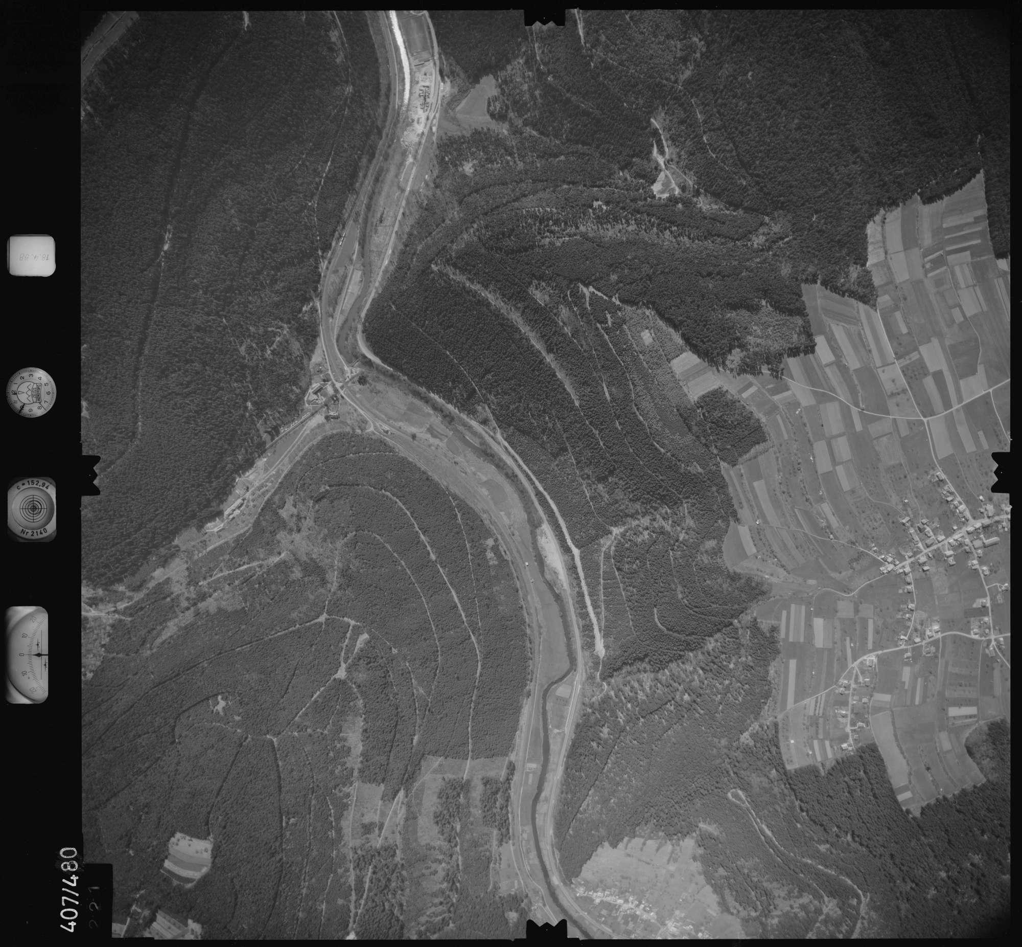 Luftbild: Film 4 Bildnr. 221, Bild 1