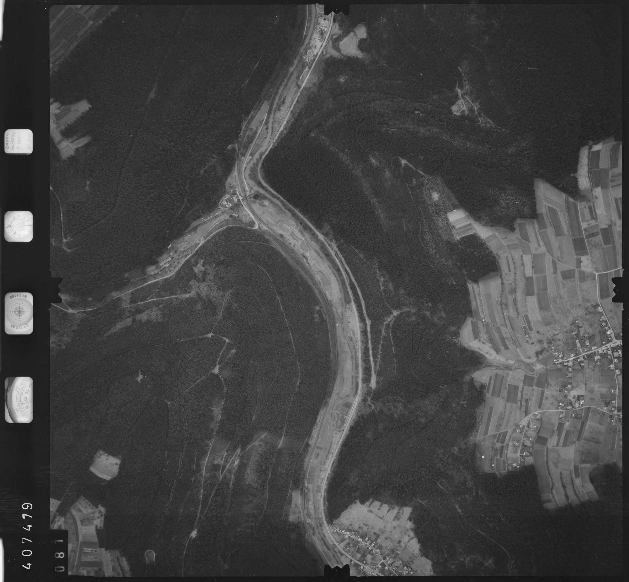 Luftbild: Film 5 Bildnr. 81, Bild 1