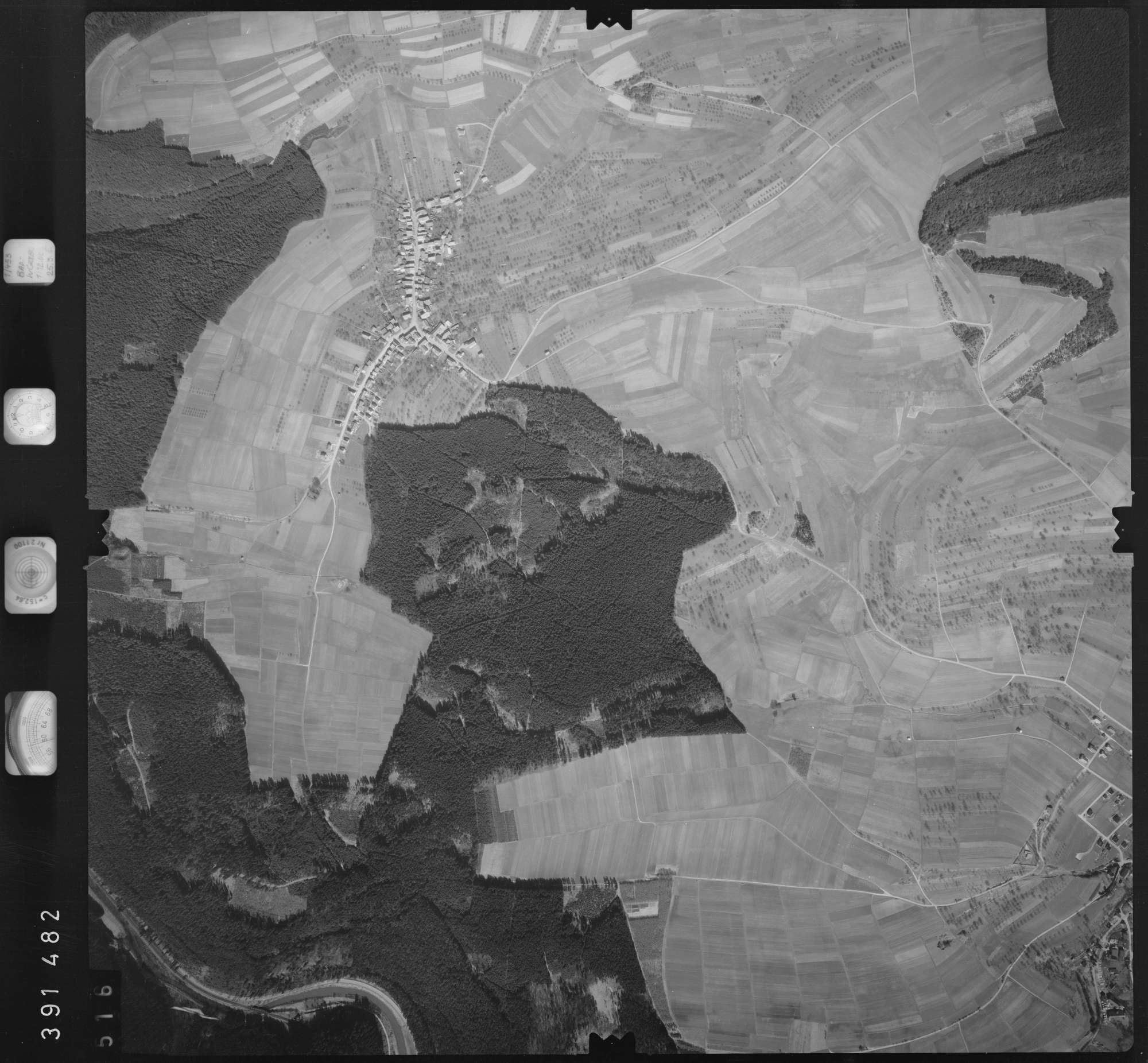 Luftbild: Film 13 Bildnr. 516, Bild 1