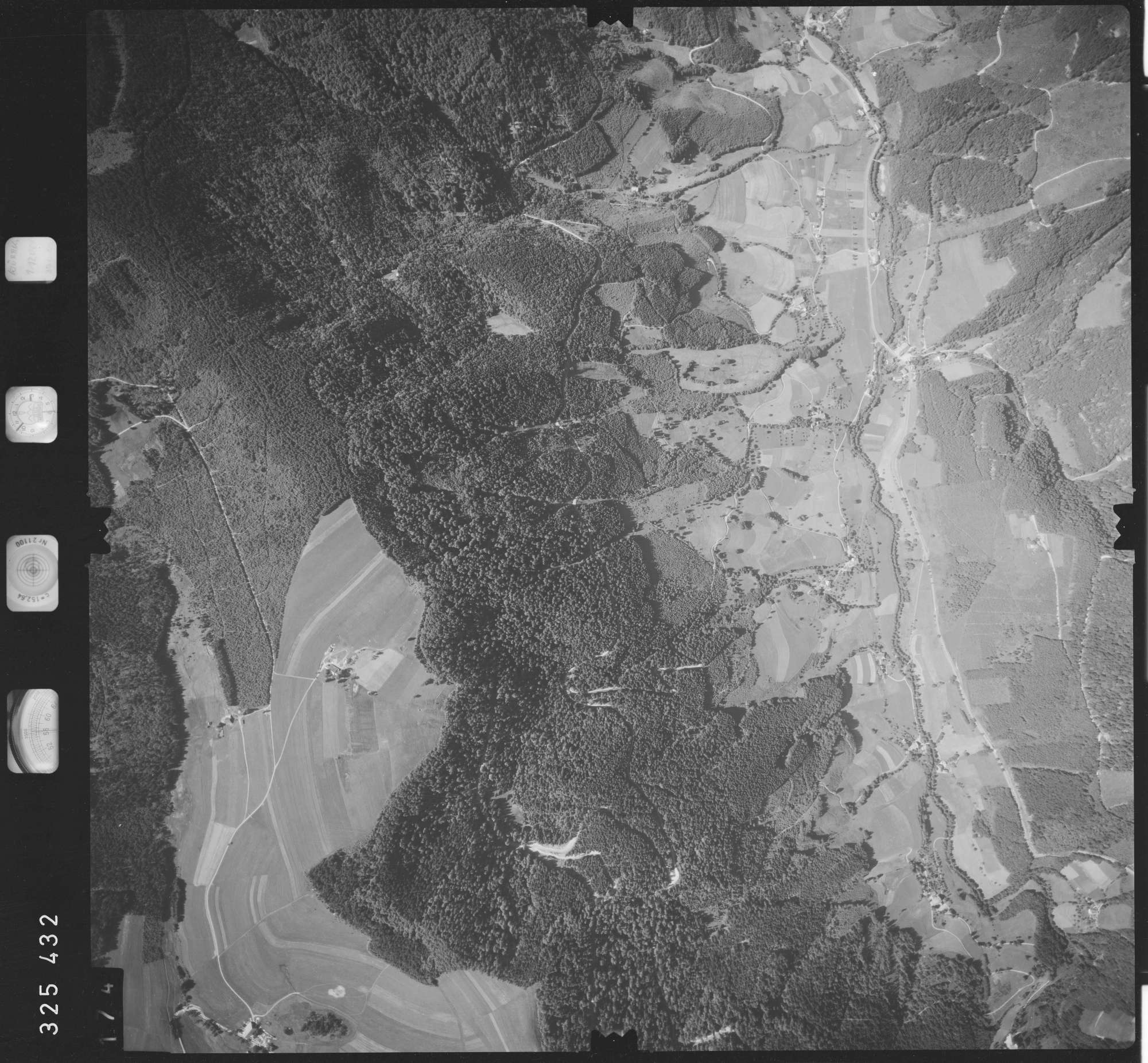 Luftbild: Film 48 Bildnr. 174, Bild 1
