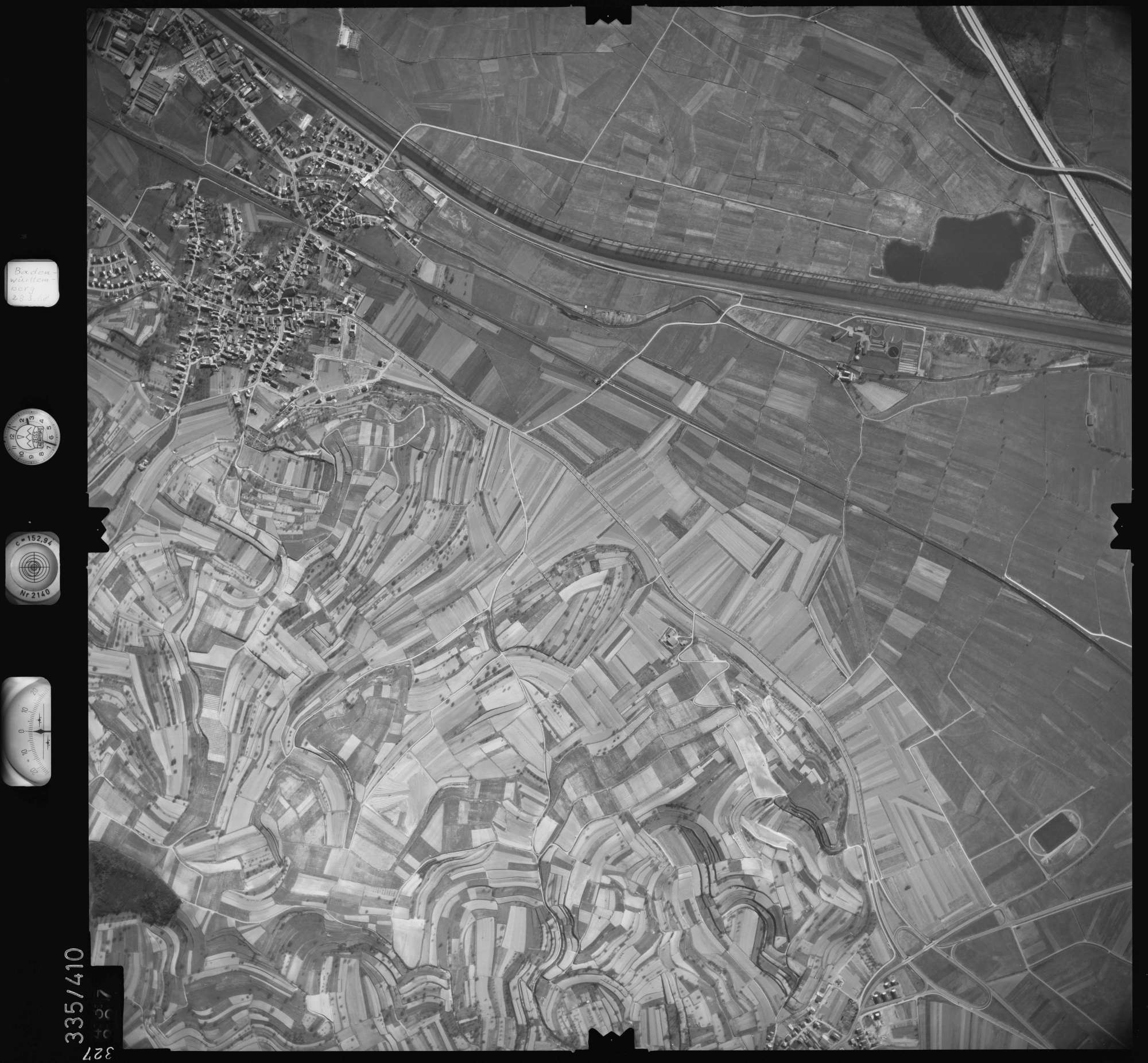 Luftbild: Film 36 Bildnr. 327, Bild 1
