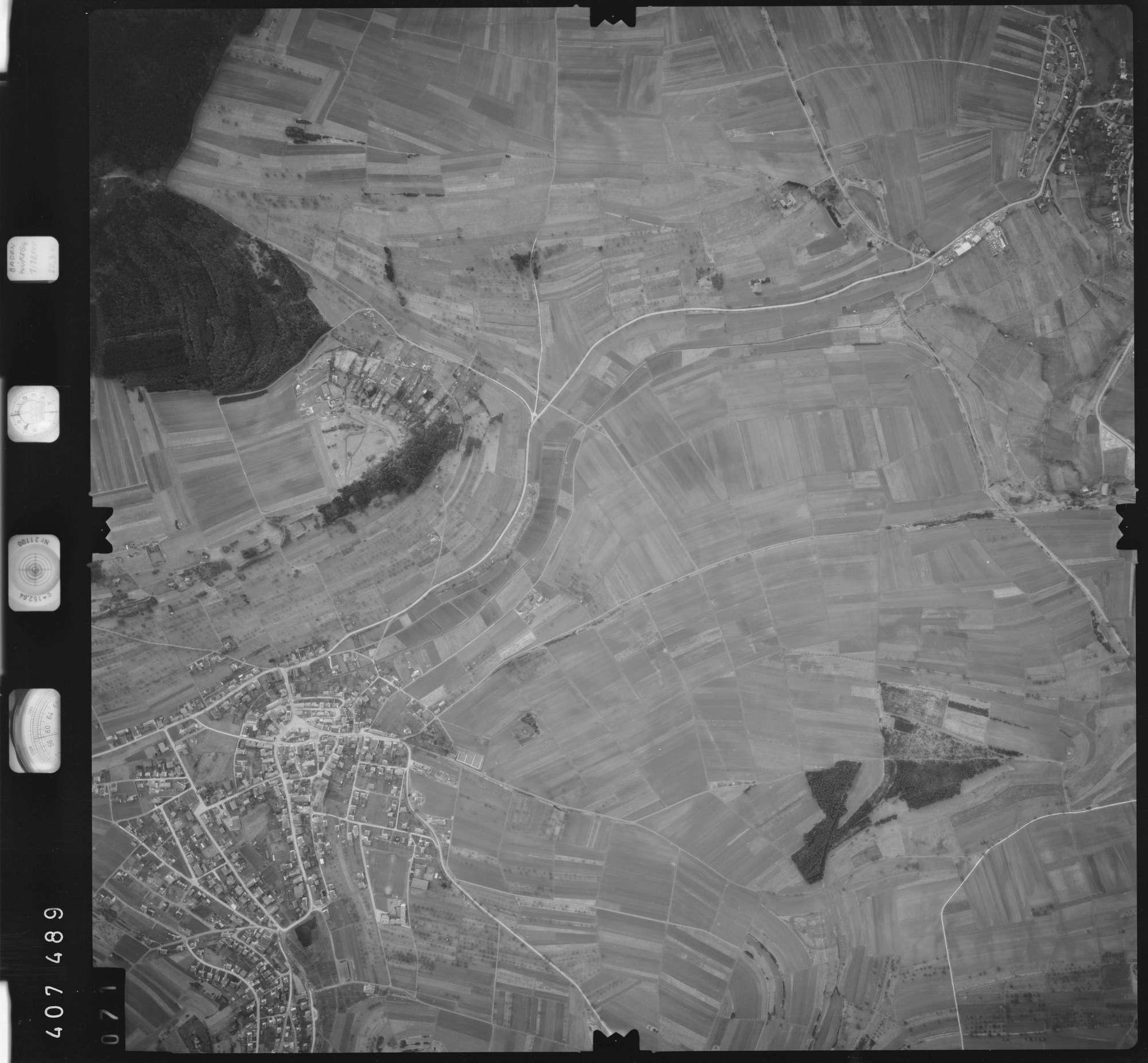 Luftbild: Film 5 Bildnr. 71, Bild 1