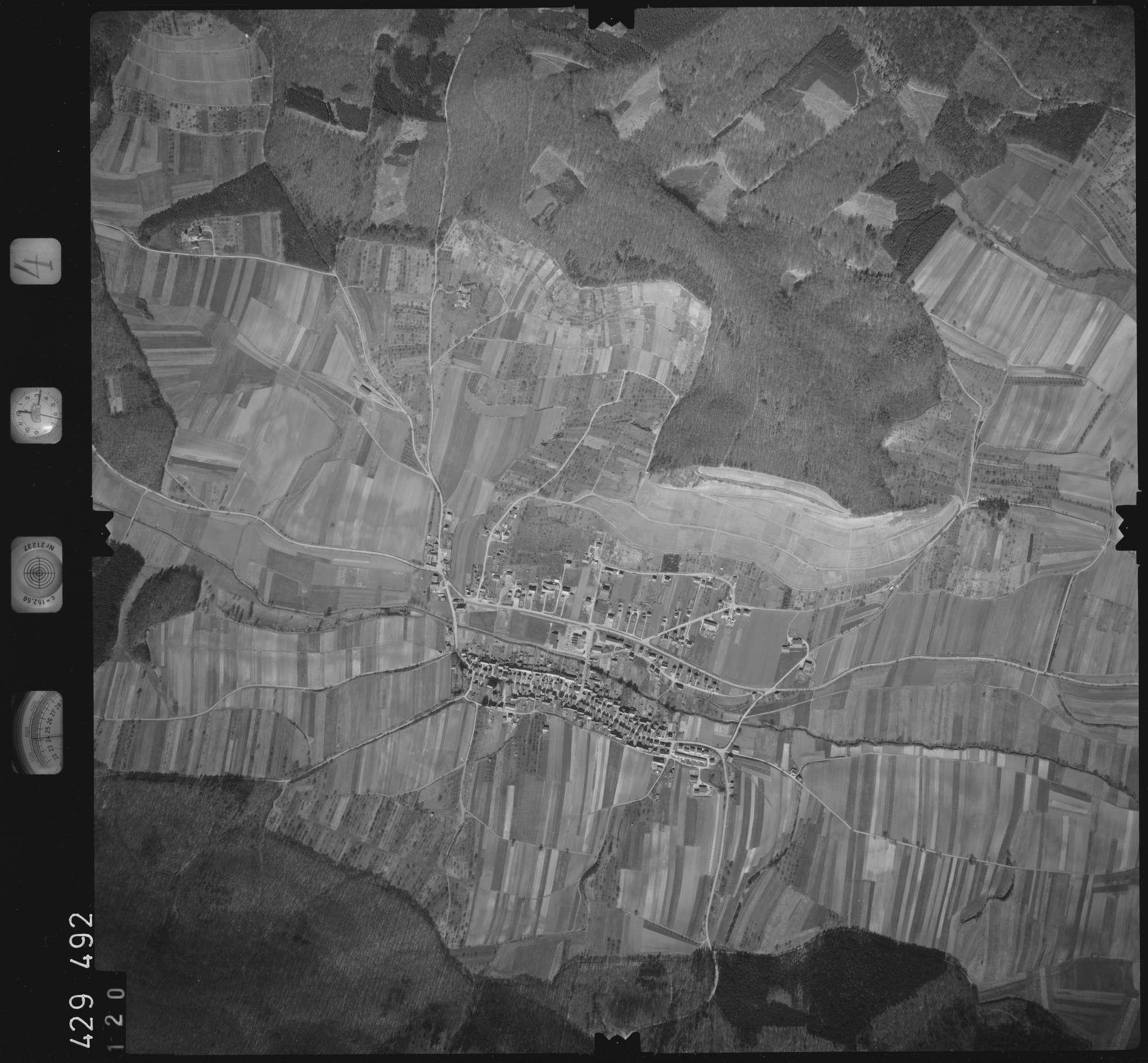 Luftbild: Film 4 Bildnr. 120, Bild 1