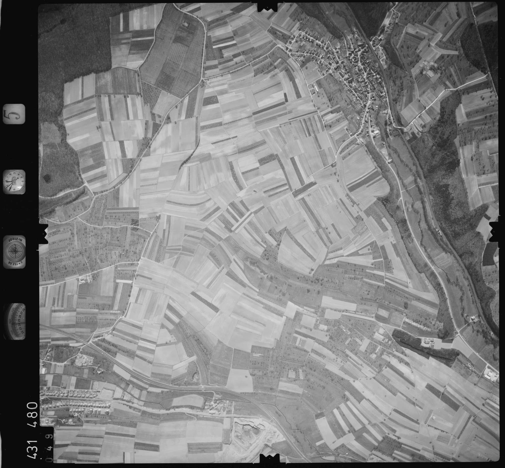 Luftbild: Film 5 Bildnr. 49, Bild 1