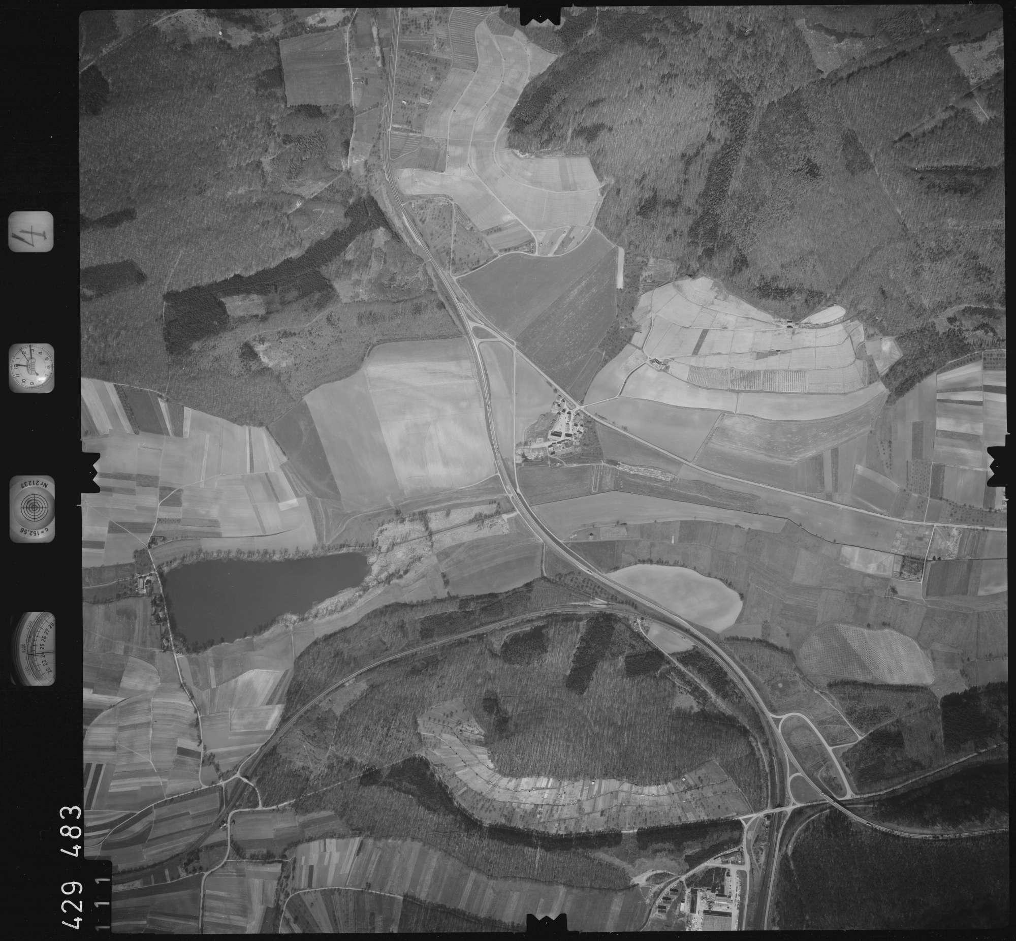Luftbild: Film 4 Bildnr. 111, Bild 1