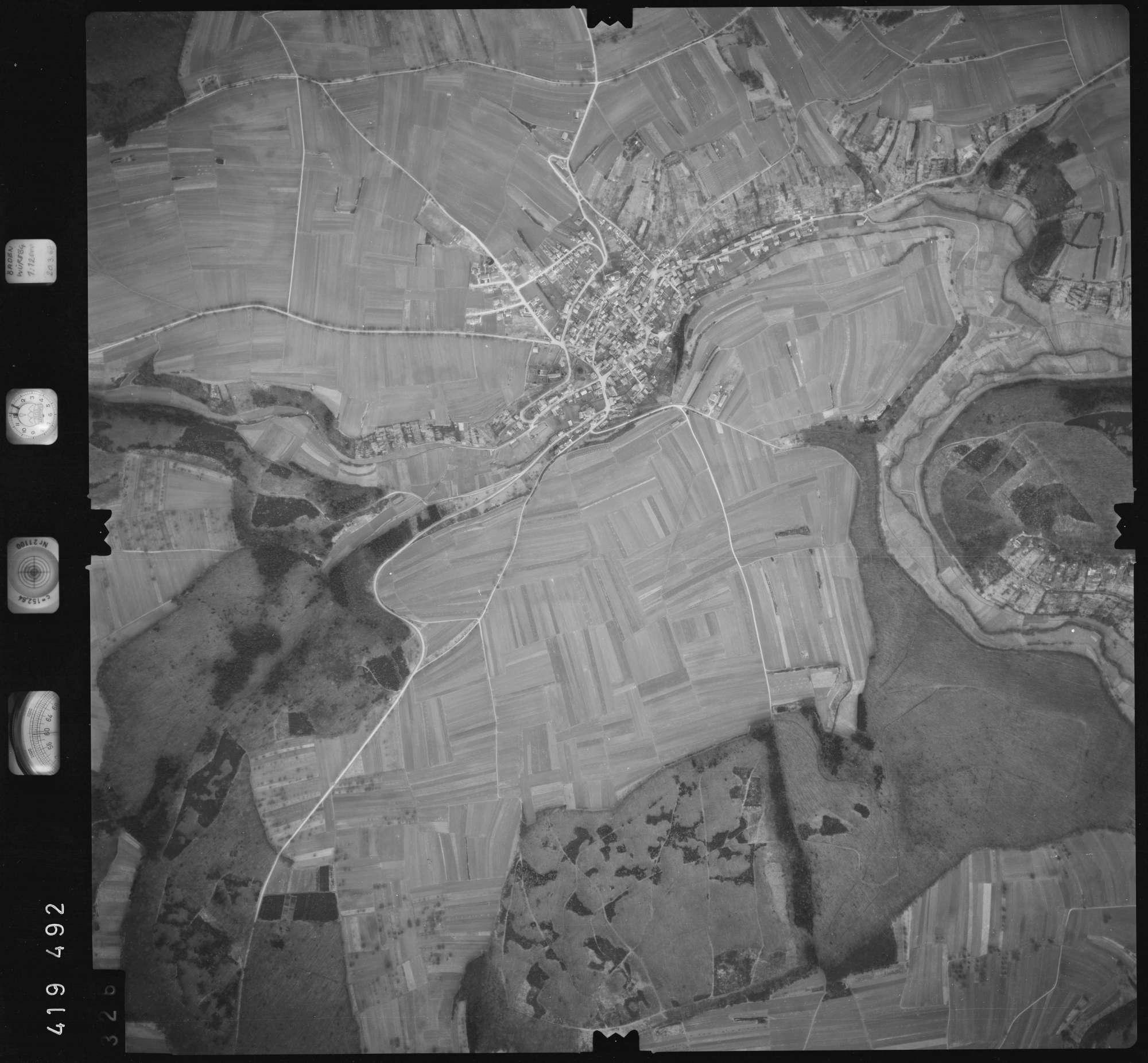 Luftbild: Film 2 Bildnr. 326, Bild 1