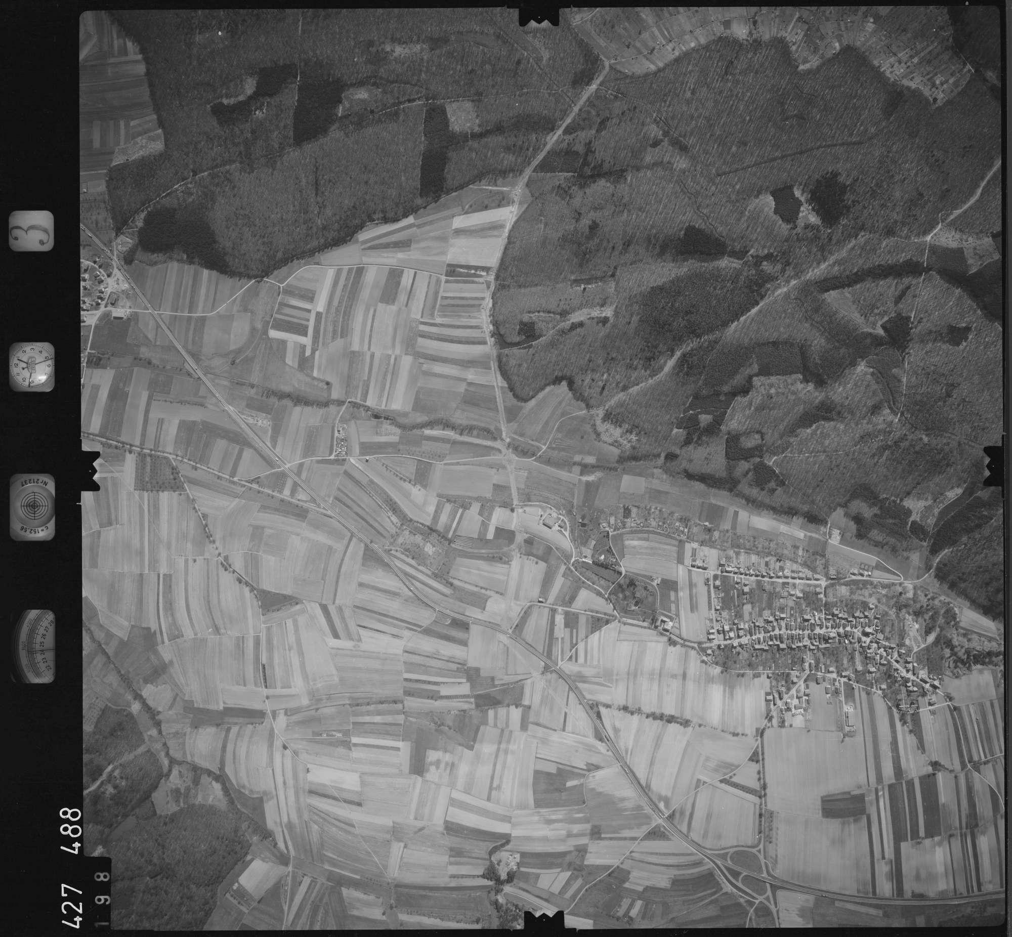 Luftbild: Film 3 Bildnr. 198, Bild 1