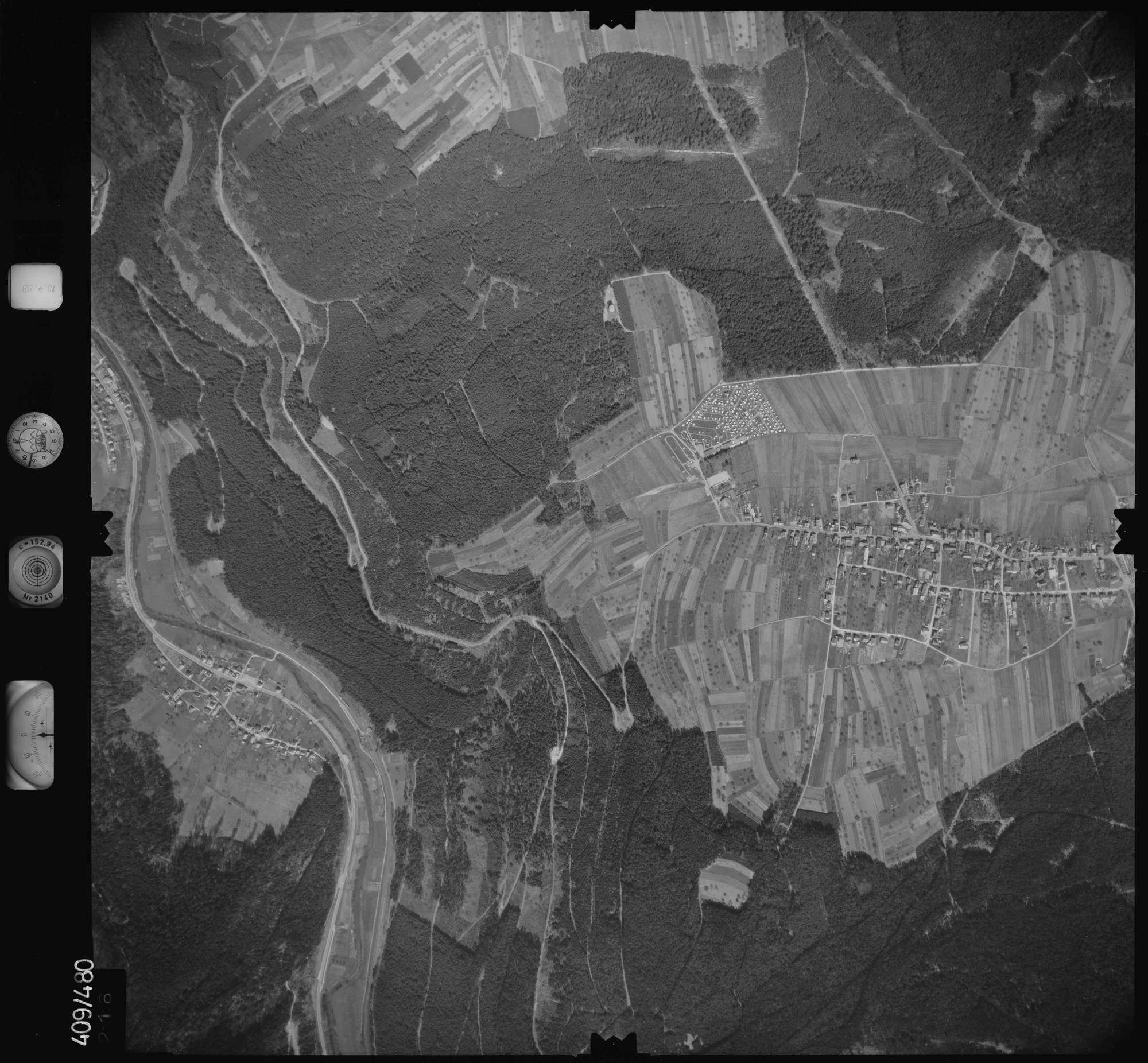 Luftbild: Film 4 Bildnr. 216, Bild 1
