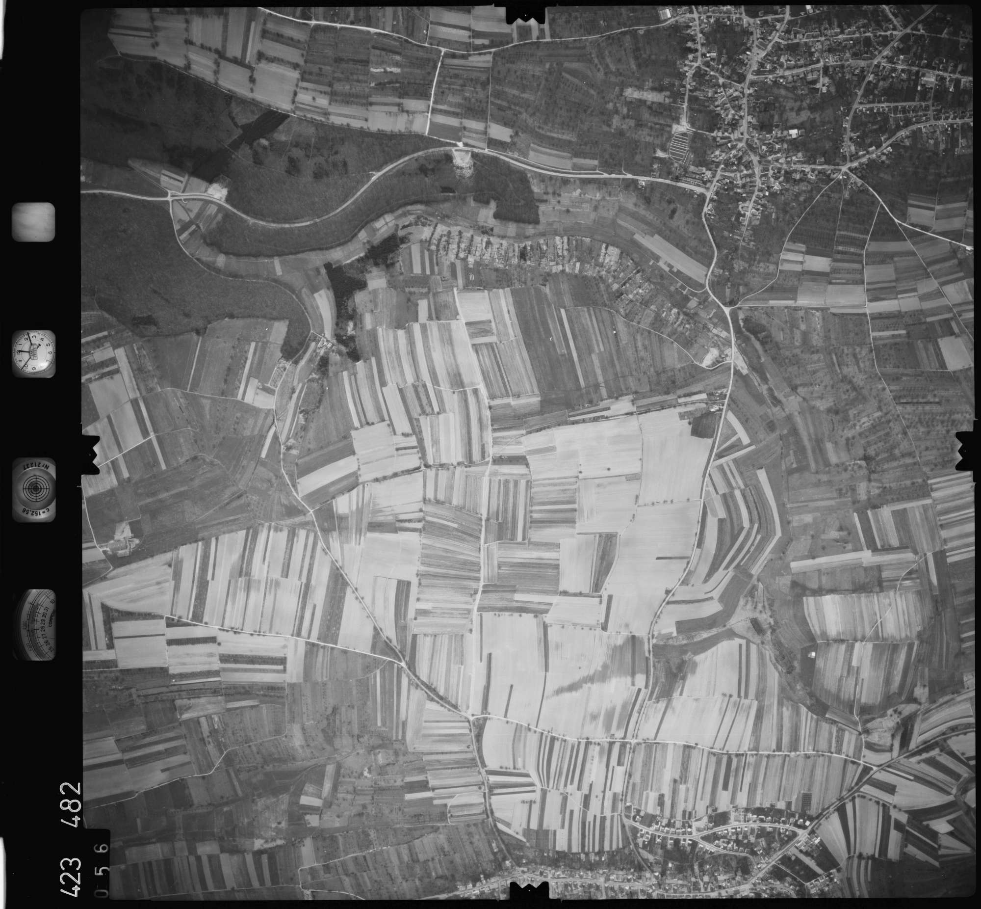 Luftbild: Film 1 Bildnr. 56, Bild 1