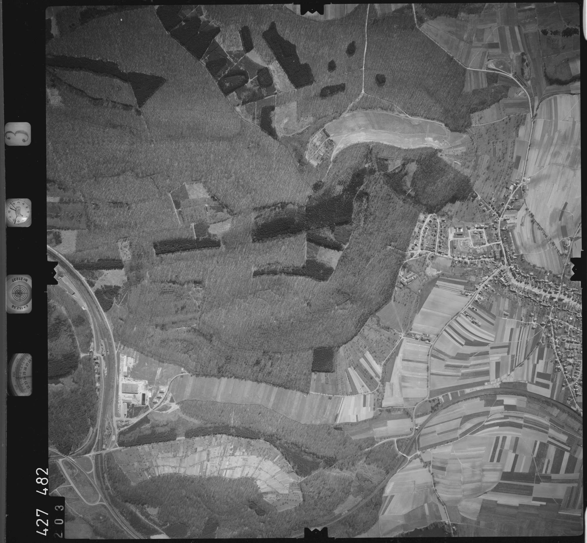 Luftbild: Film 3 Bildnr. 203, Bild 1