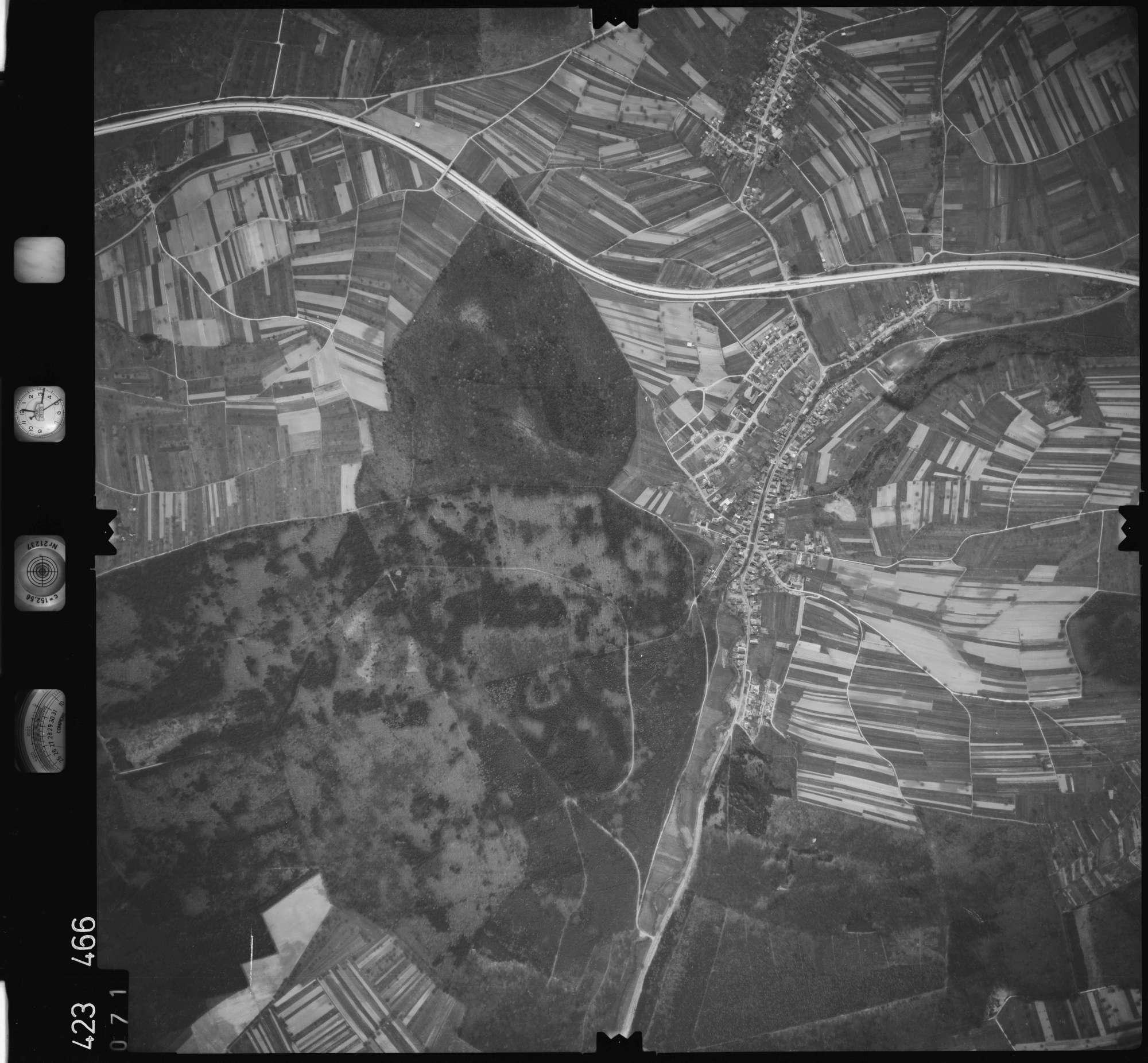 Luftbild: Film 1 Bildnr. 71, Bild 1