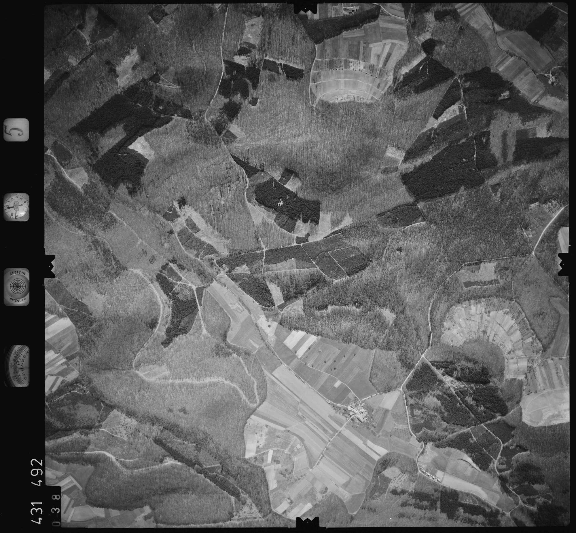 Luftbild: Film 5 Bildnr. 38, Bild 1
