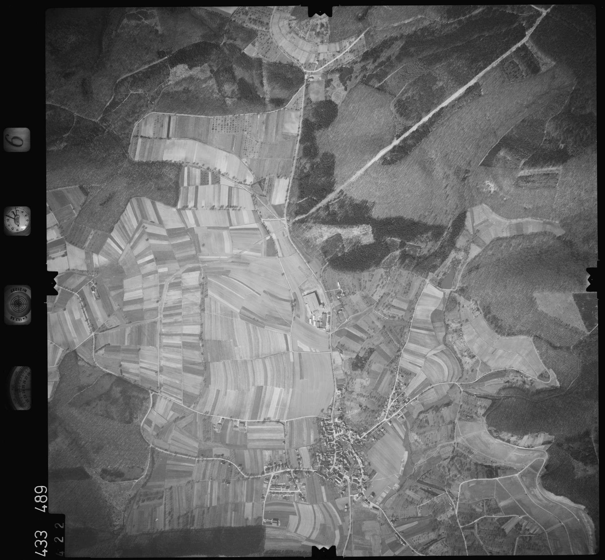 Luftbild: Film 6 Bildnr. 422, Bild 1
