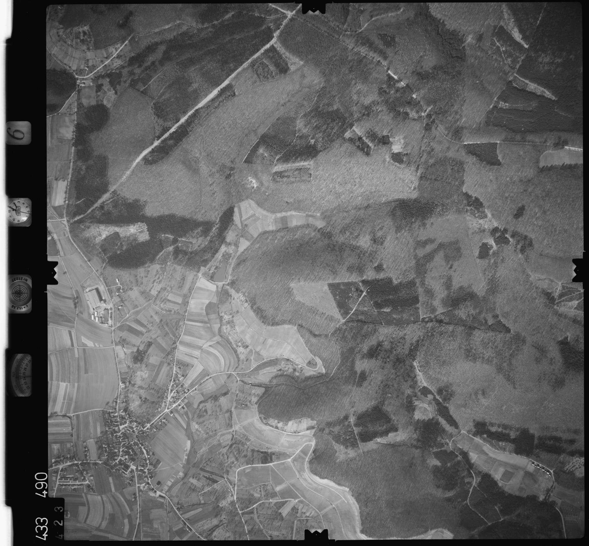Luftbild: Film 6 Bildnr. 423, Bild 1