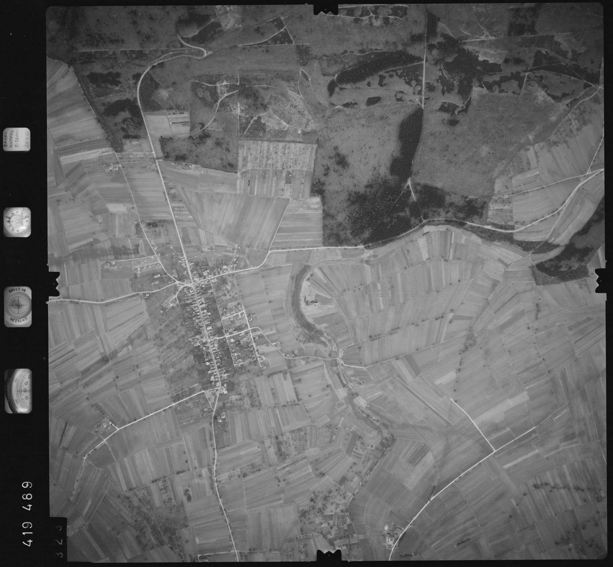 Luftbild: Film 2 Bildnr. 323, Bild 1