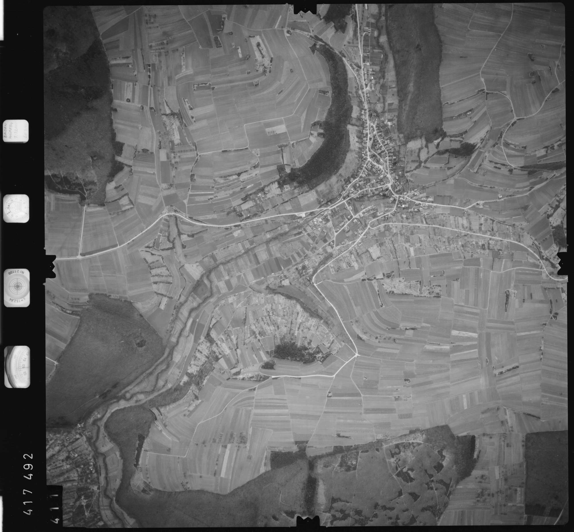 Luftbild: Film 2 Bildnr. 411, Bild 1