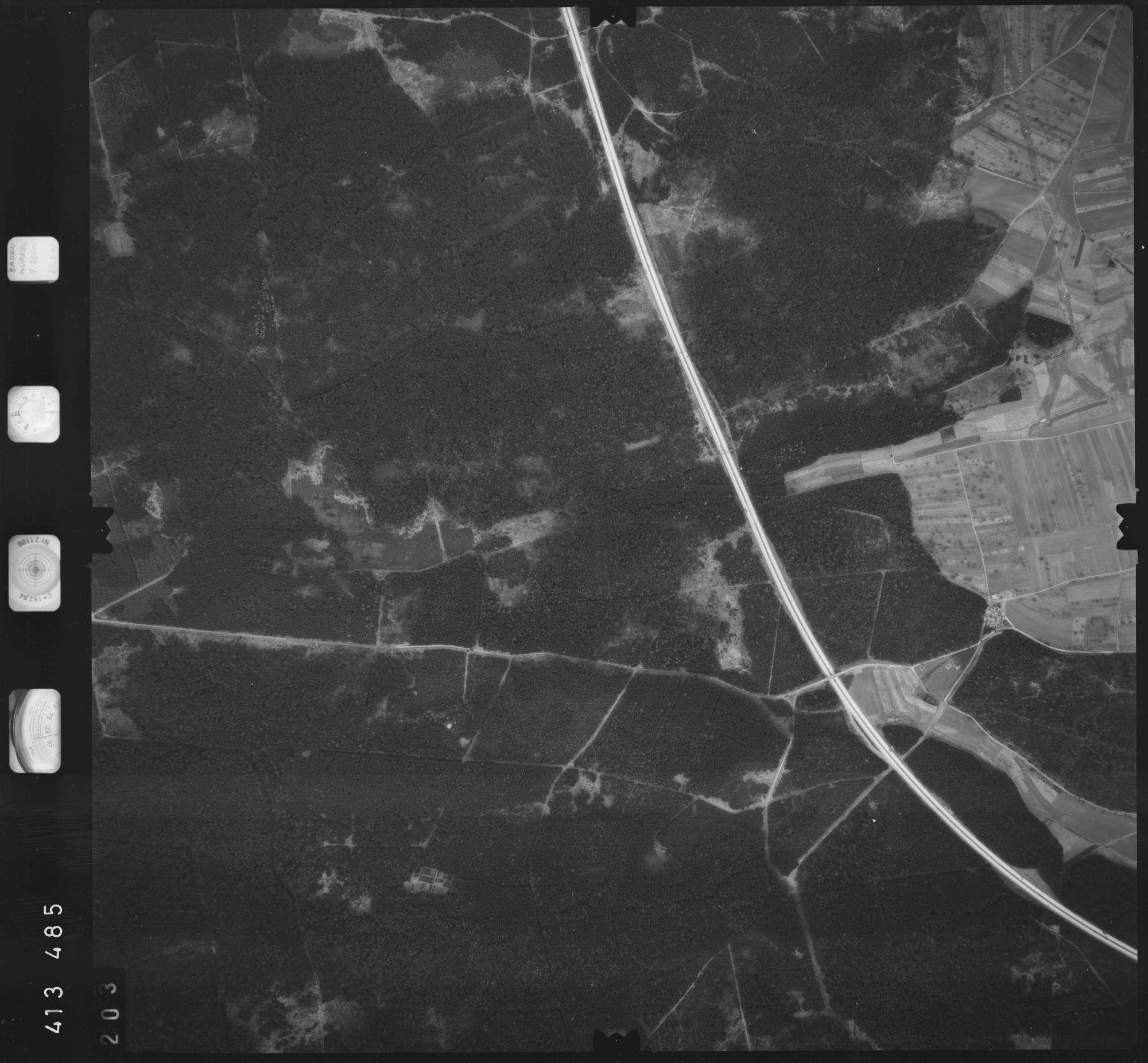 Luftbild: Film 5 Bildnr. 203, Bild 1