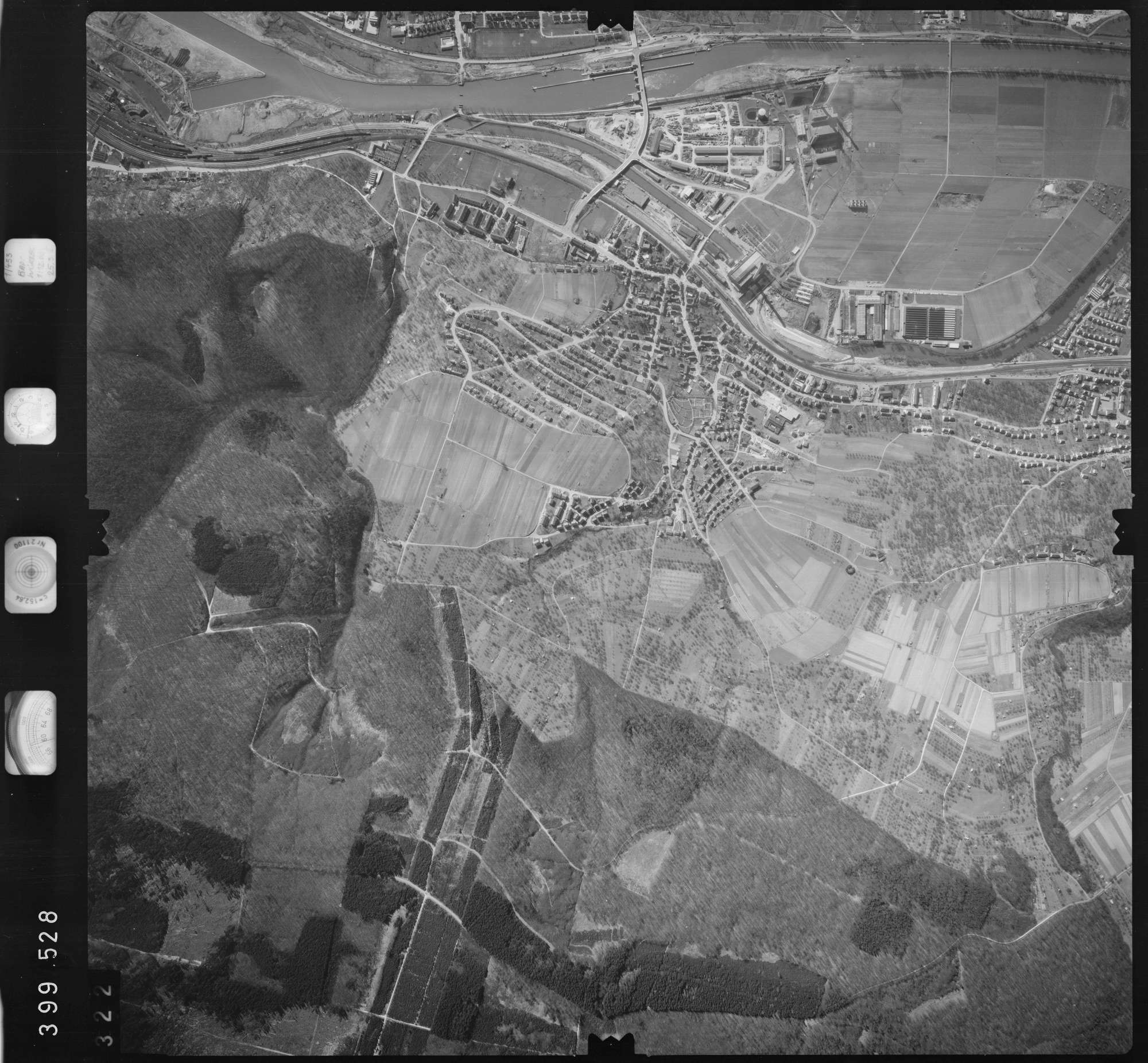 Luftbild: Film 13 Bildnr. 322, Bild 1