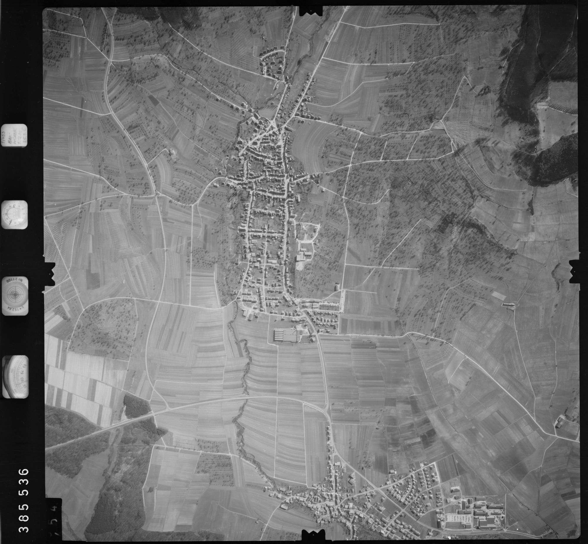 Luftbild: Film 23 Bildnr. 453, Bild 1