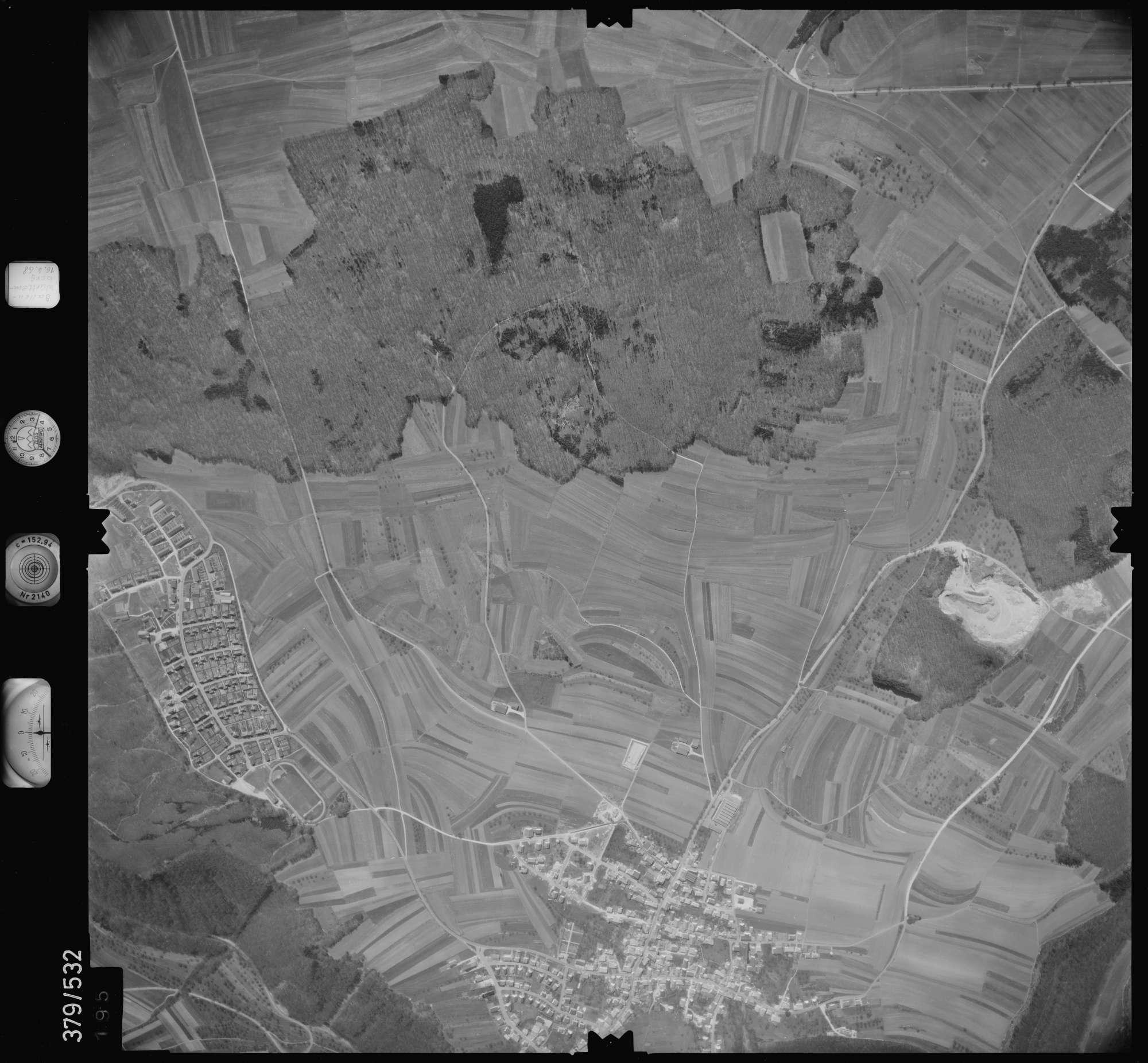 Luftbild: Film 32 Bildnr. 195, Bild 1