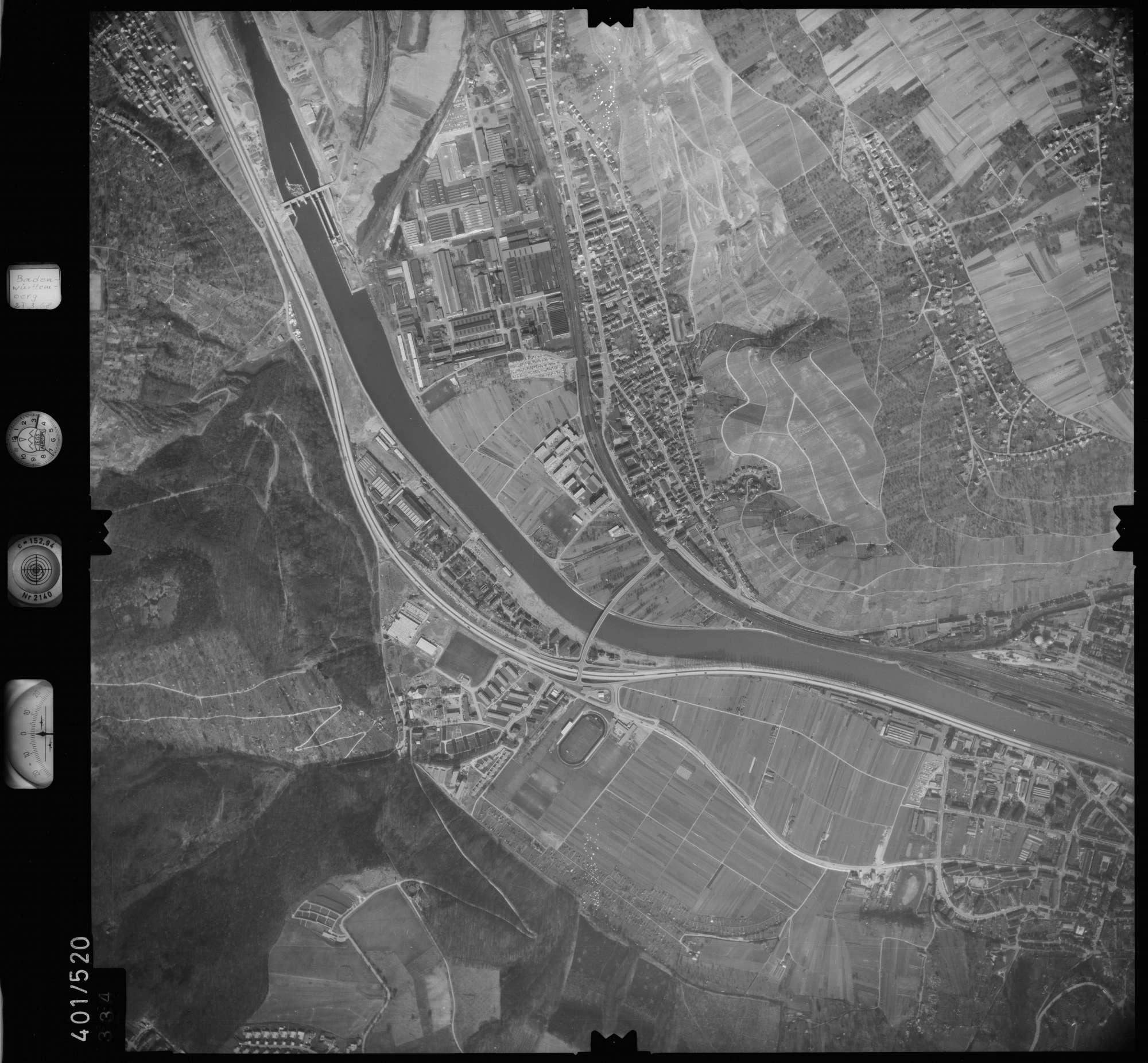 Luftbild: Film 10 Bildnr. 334, Bild 1