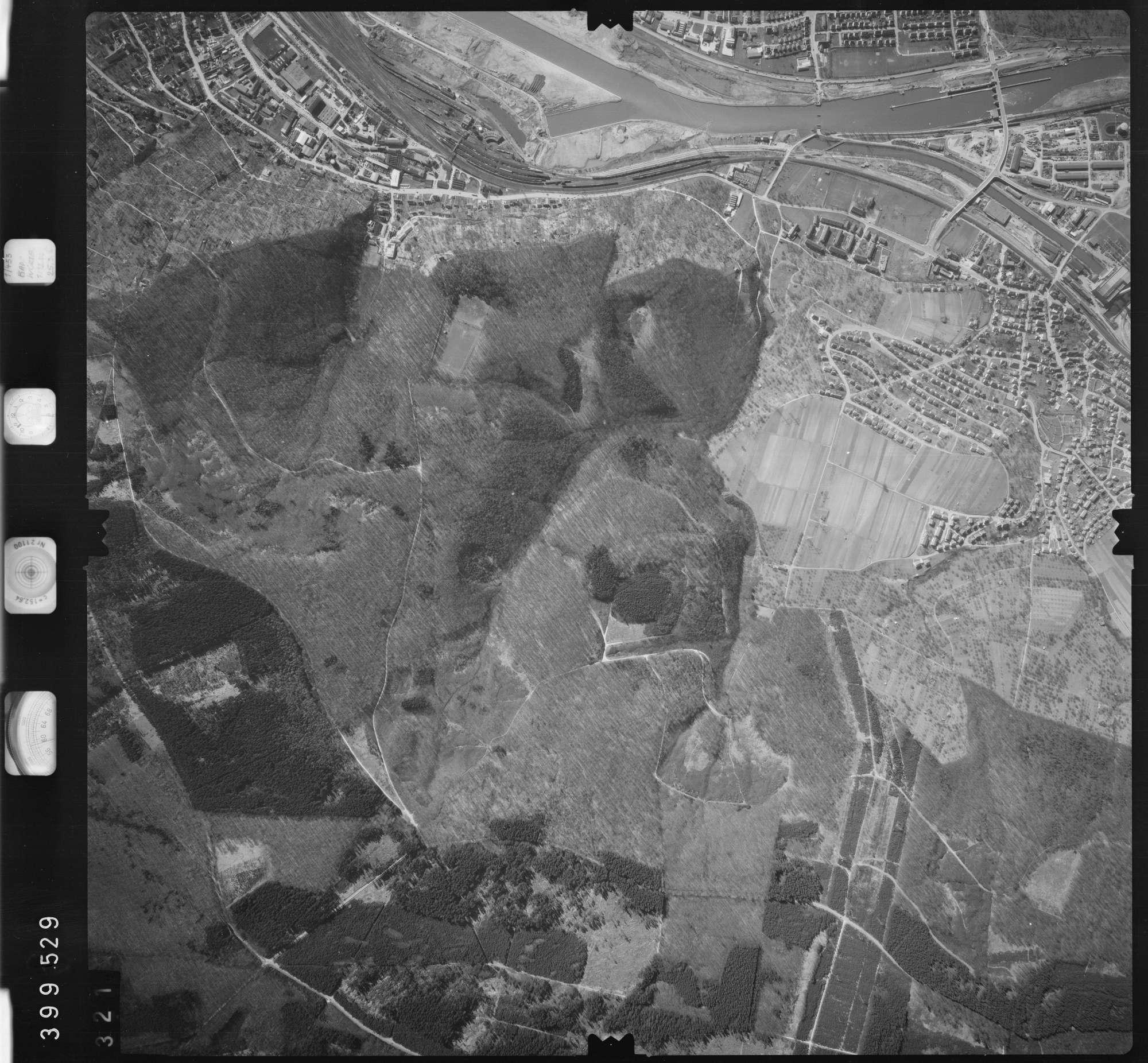 Luftbild: Film 13 Bildnr. 321, Bild 1