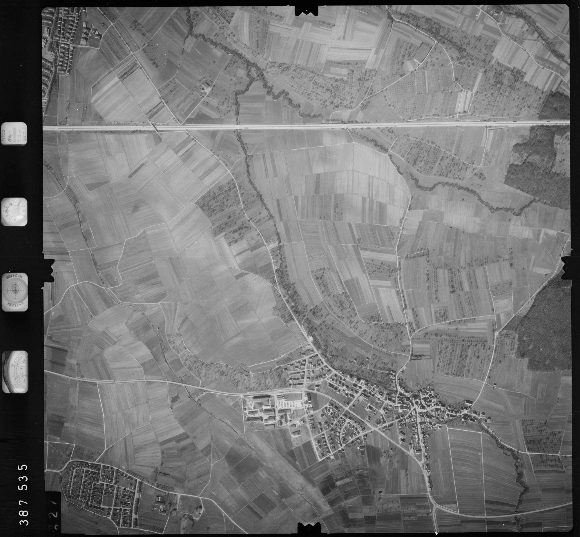 Luftbild: Film 23 Bildnr. 327, Bild 1