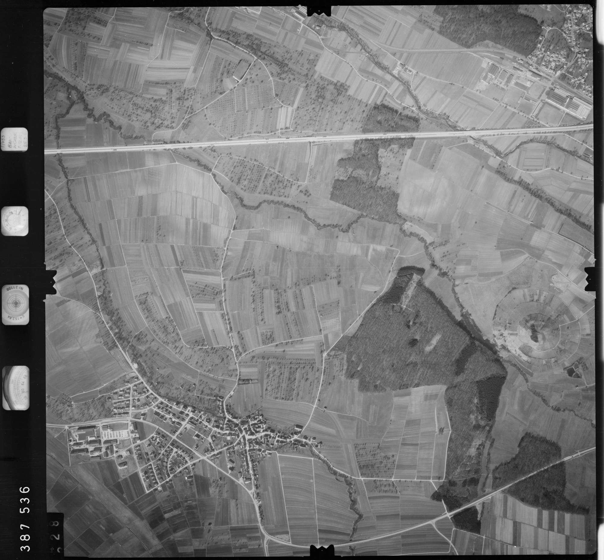 Luftbild: Film 23 Bildnr. 328, Bild 1