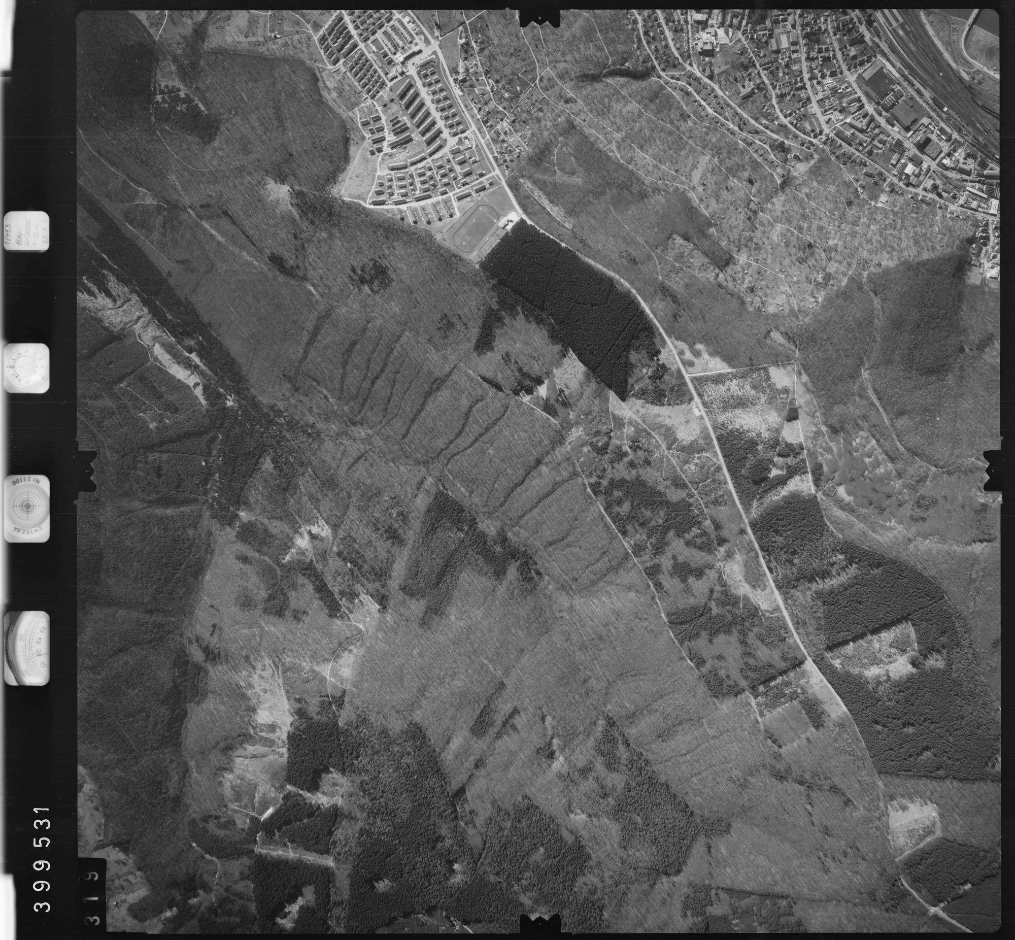 Luftbild: Film 13 Bildnr. 319, Bild 1