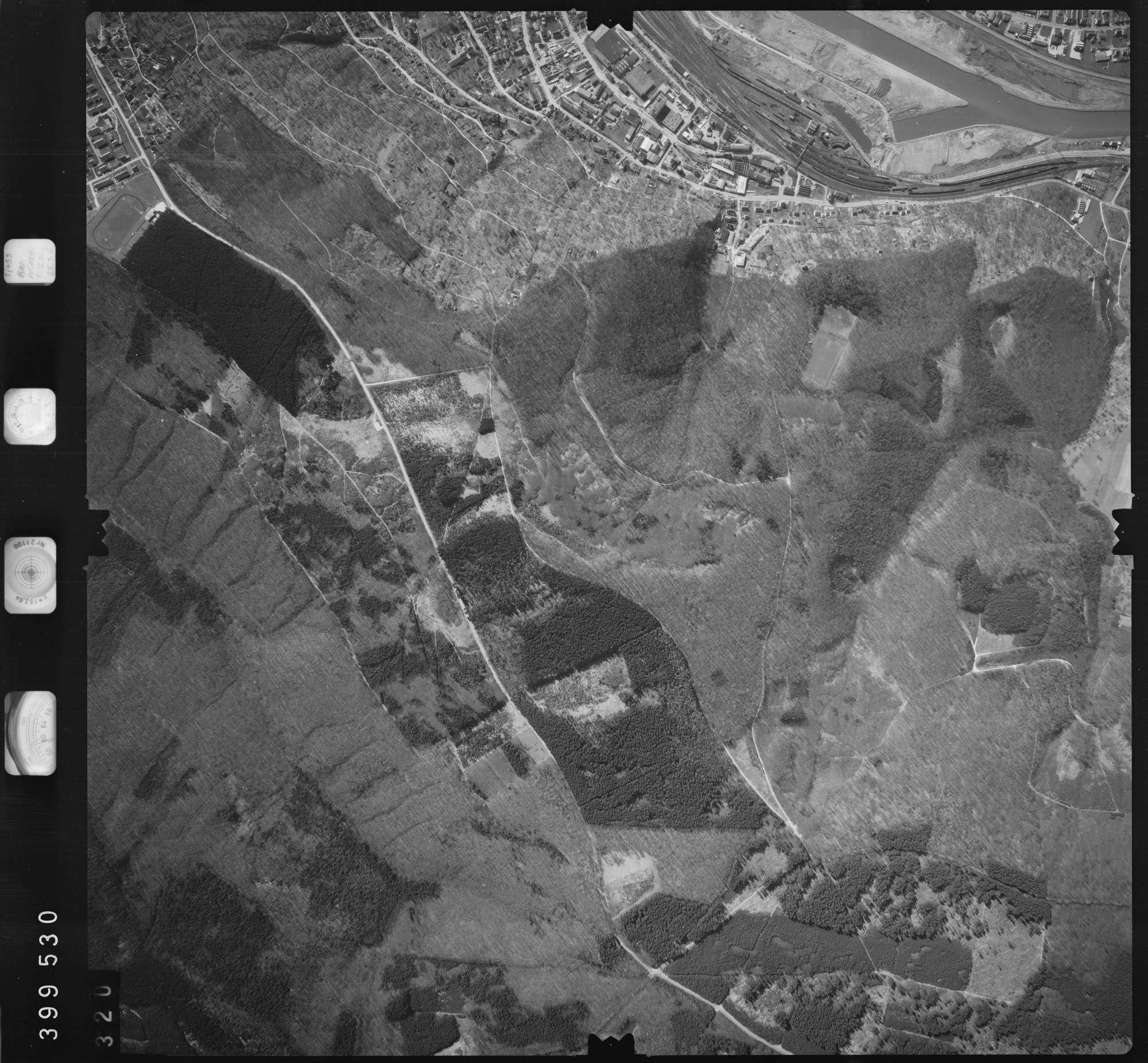 Luftbild: Film 13 Bildnr. 320, Bild 1