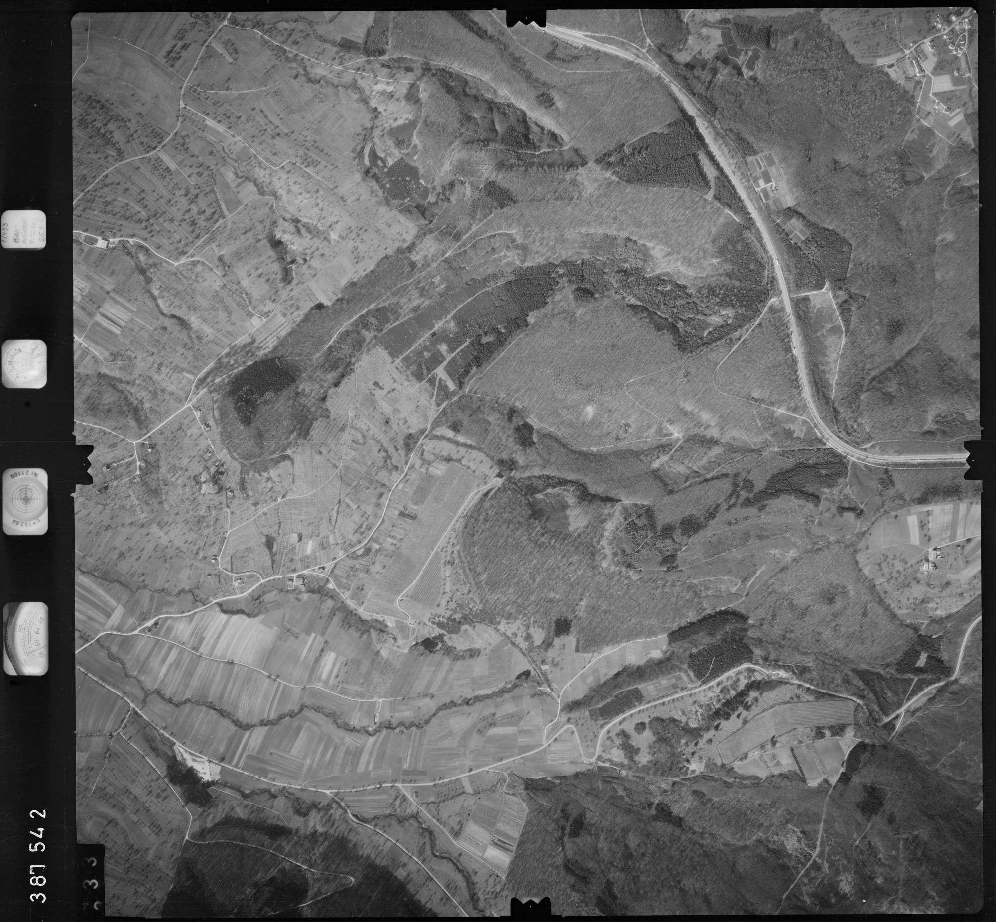 Luftbild: Film 23 Bildnr. 332, Bild 1