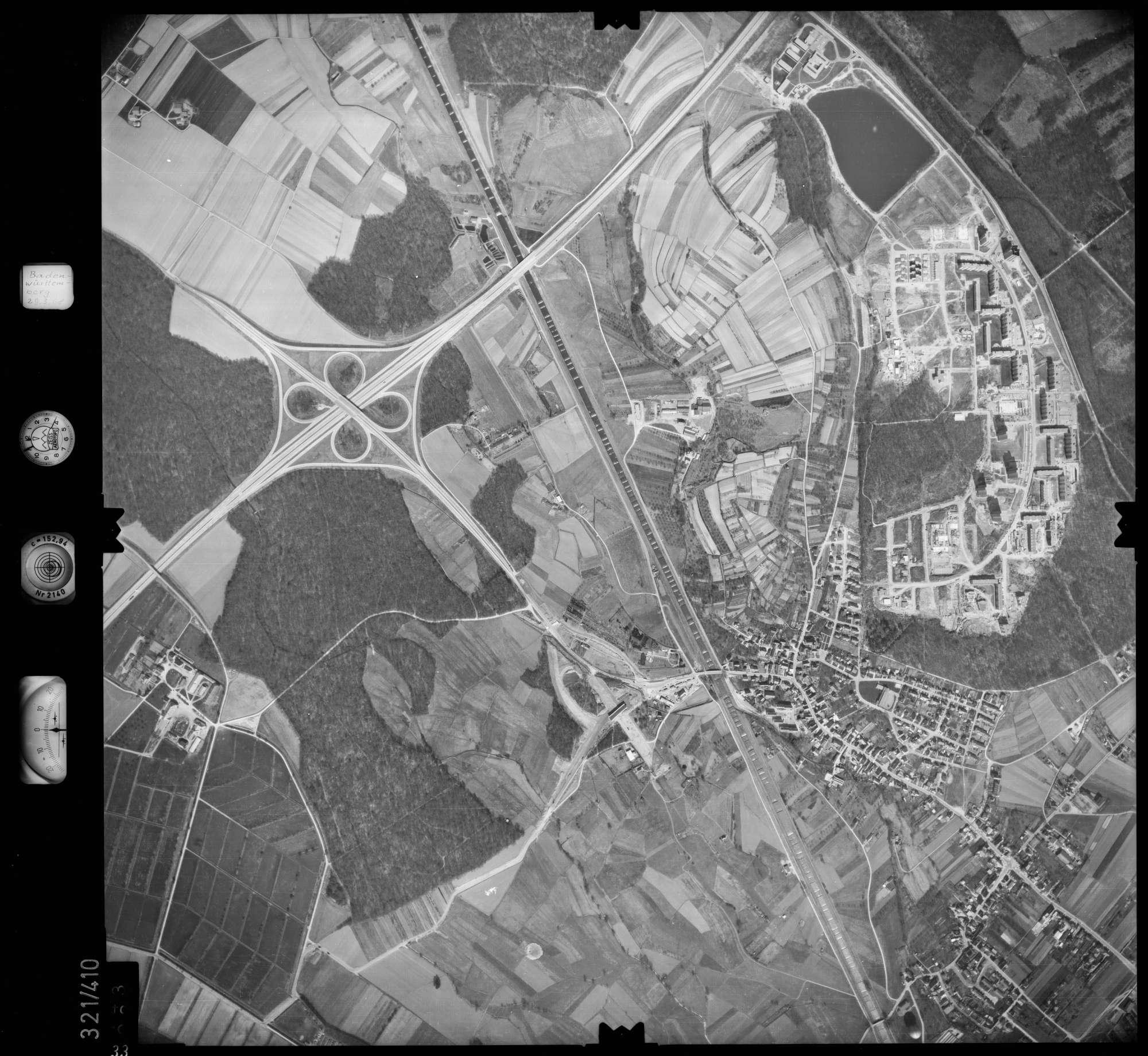 Luftbild: Film 54 Bildnr. 33, Bild 1