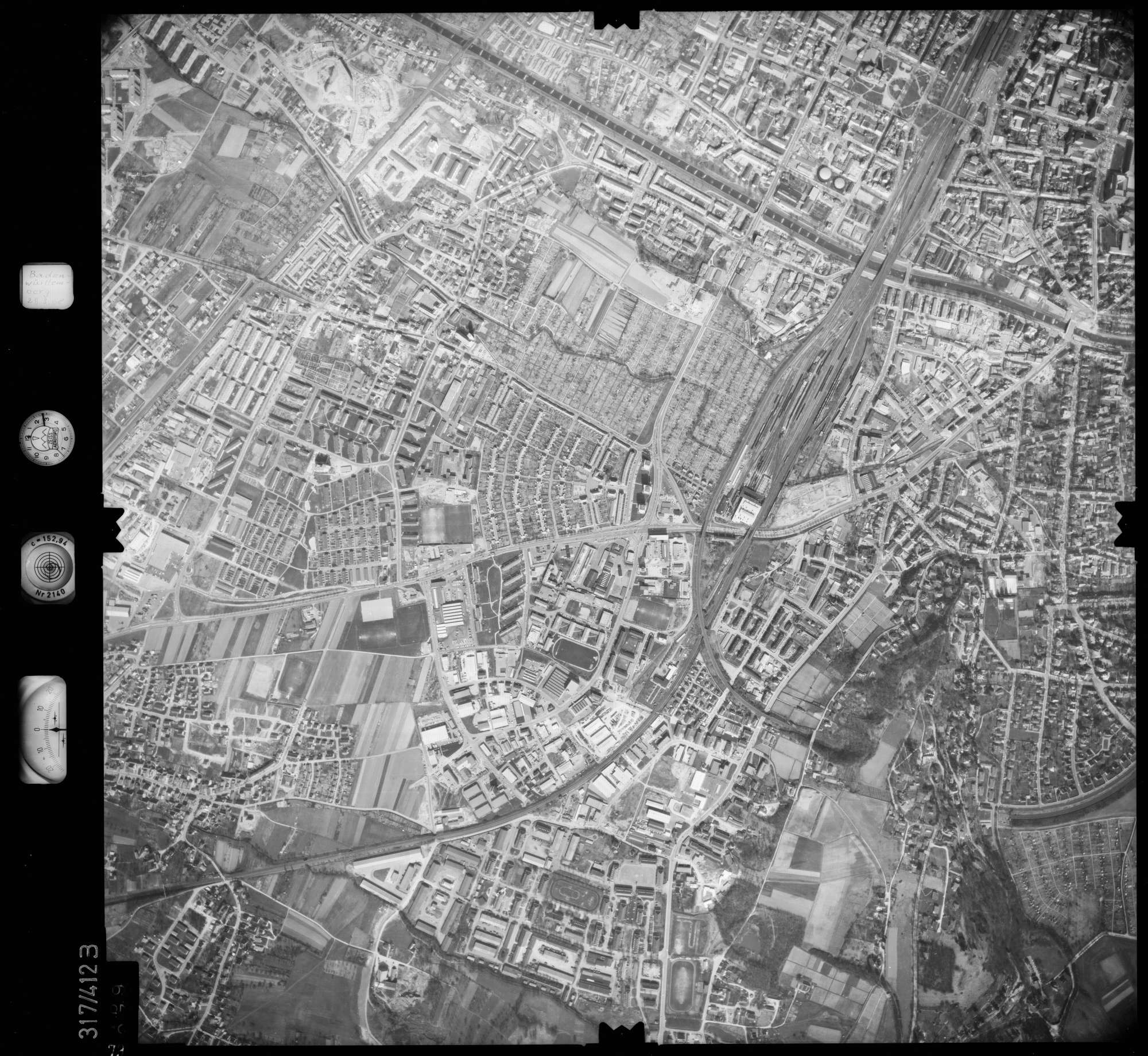 Luftbild: Film 54 Bildnr. 79, Bild 1