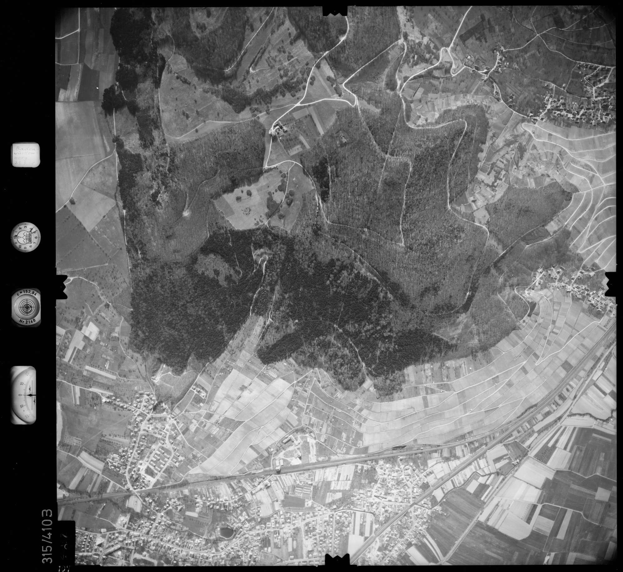 Luftbild: Film 54 Bildnr. 107, Bild 1