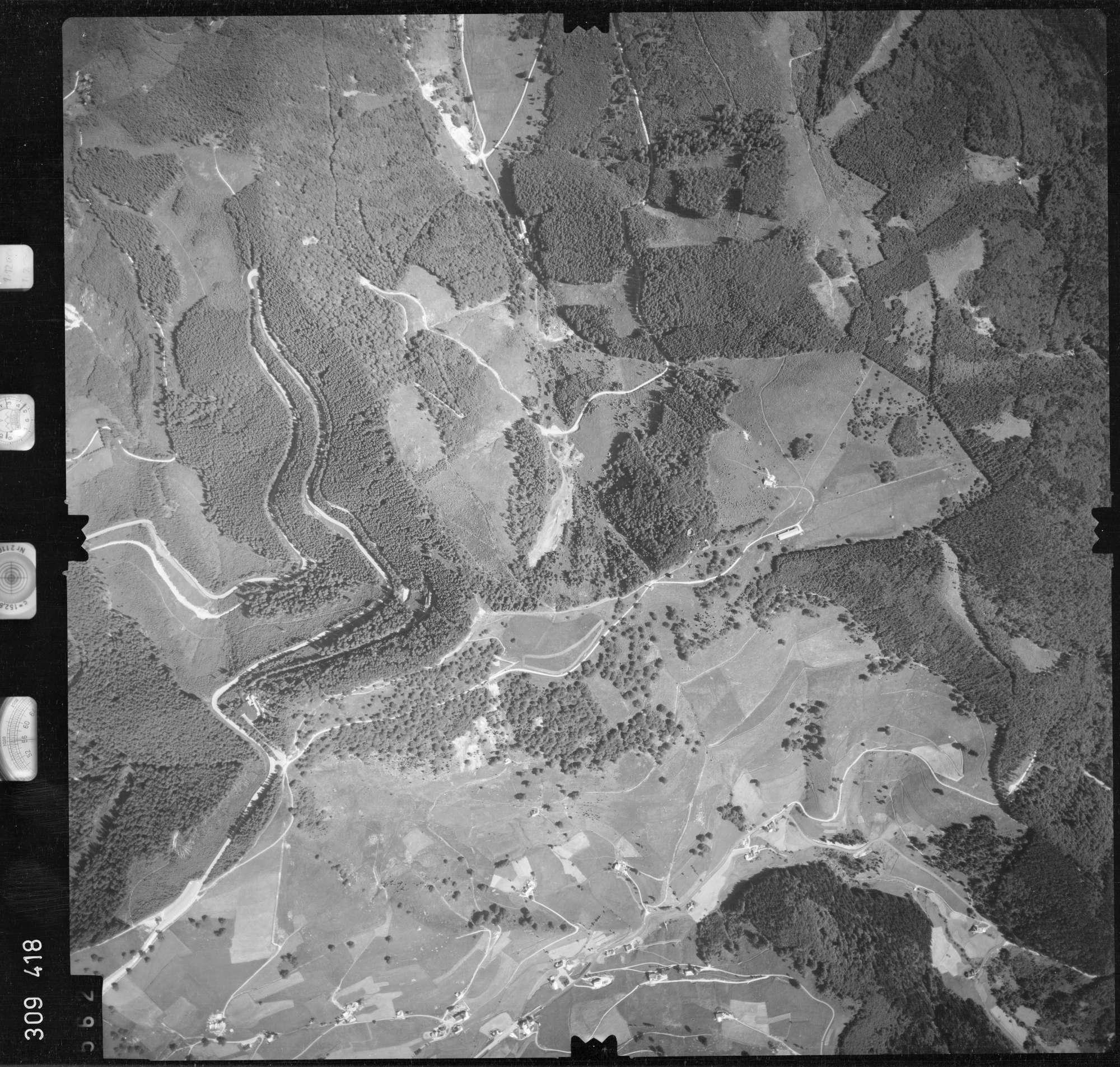 Luftbild: Film 56 Bildnr. 562, Bild 1