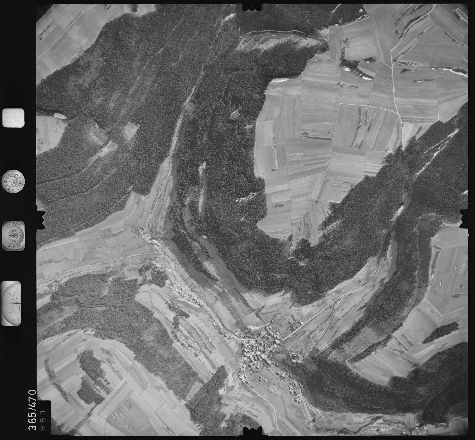 Luftbild: Film 33 Bildnr. 981, Bild 1