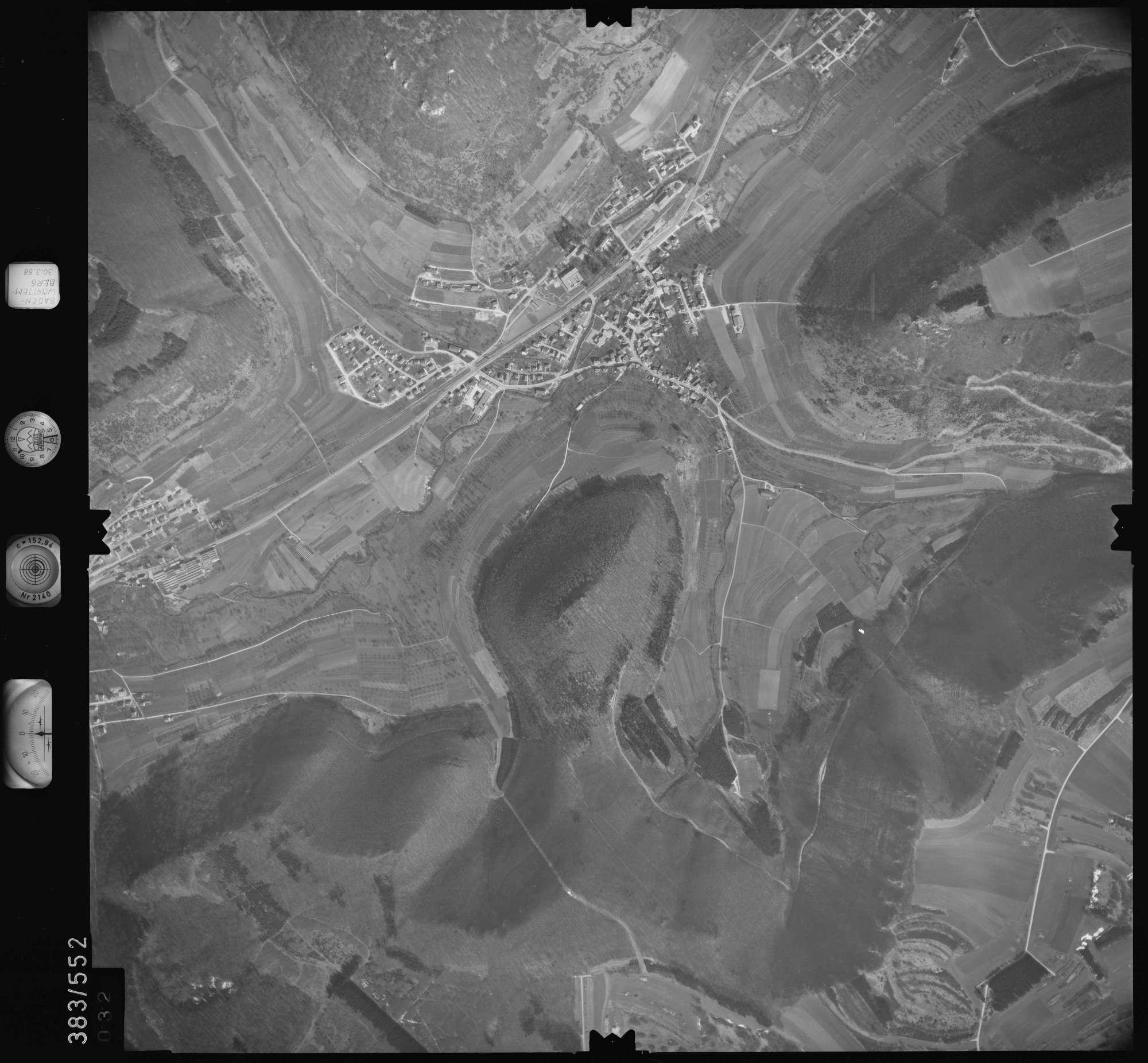 Luftbild: Film 27 Bildnr. 32, Bild 1